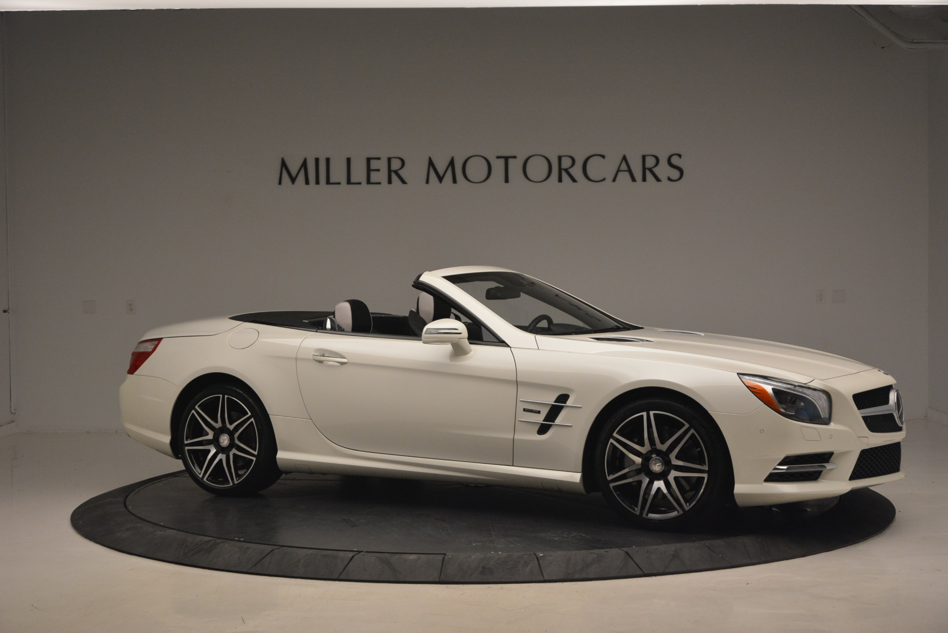Used 2015 Mercedes Benz SL-Class SL 550 | Greenwich, CT
