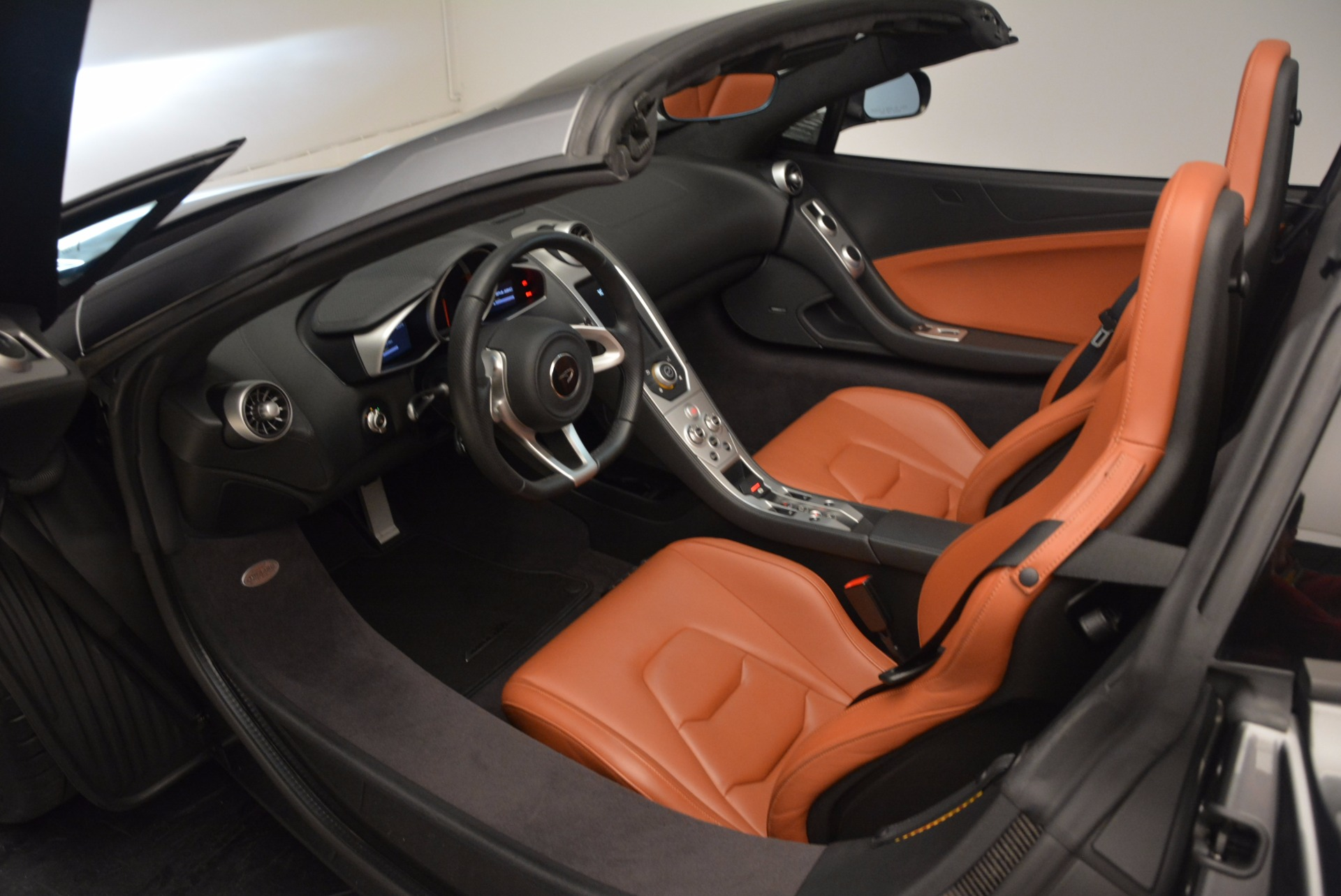 Used 2014 McLaren MP4-12C SPIDER Convertible | Greenwich, CT
