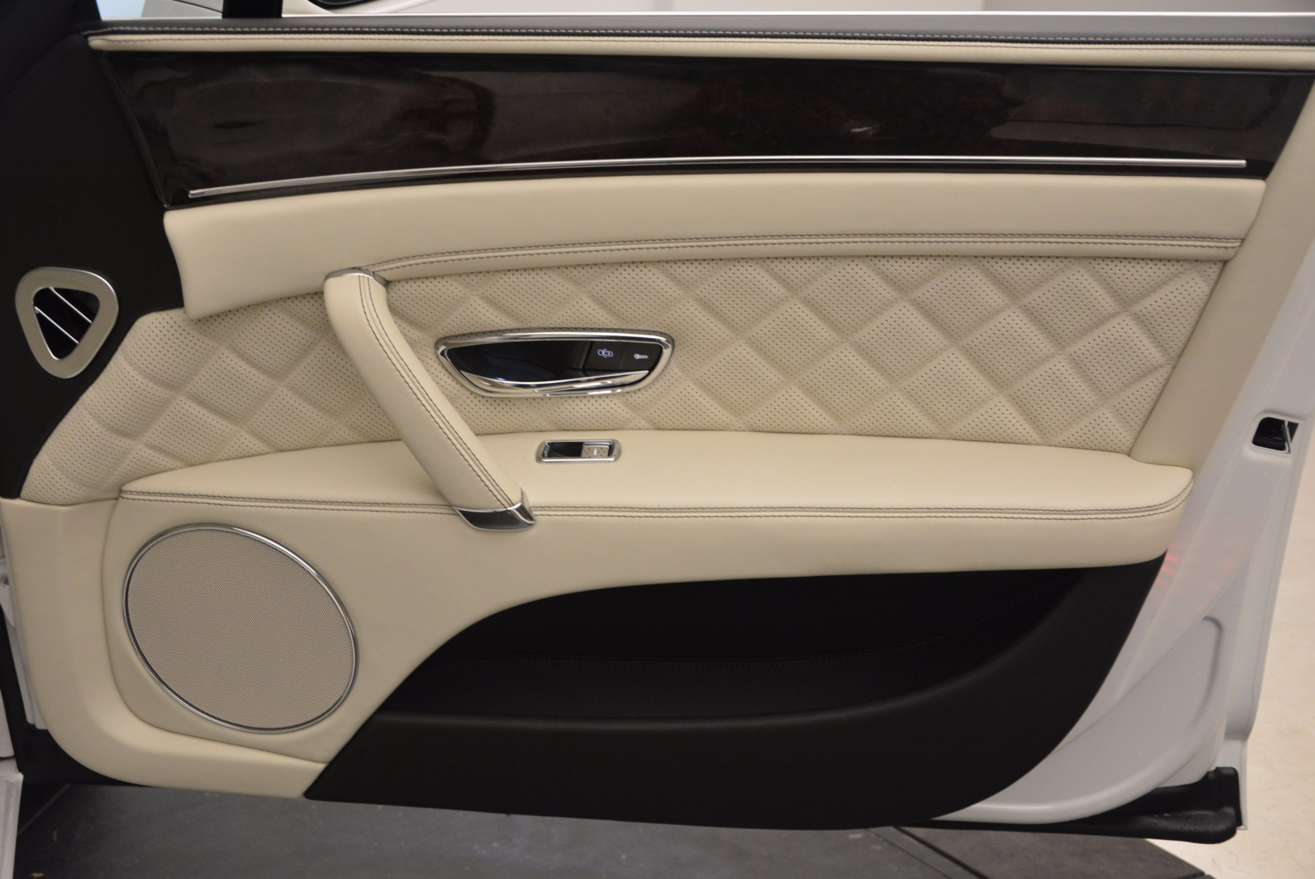 New 2017 Bentley Flying Spur W12 | Greenwich, CT
