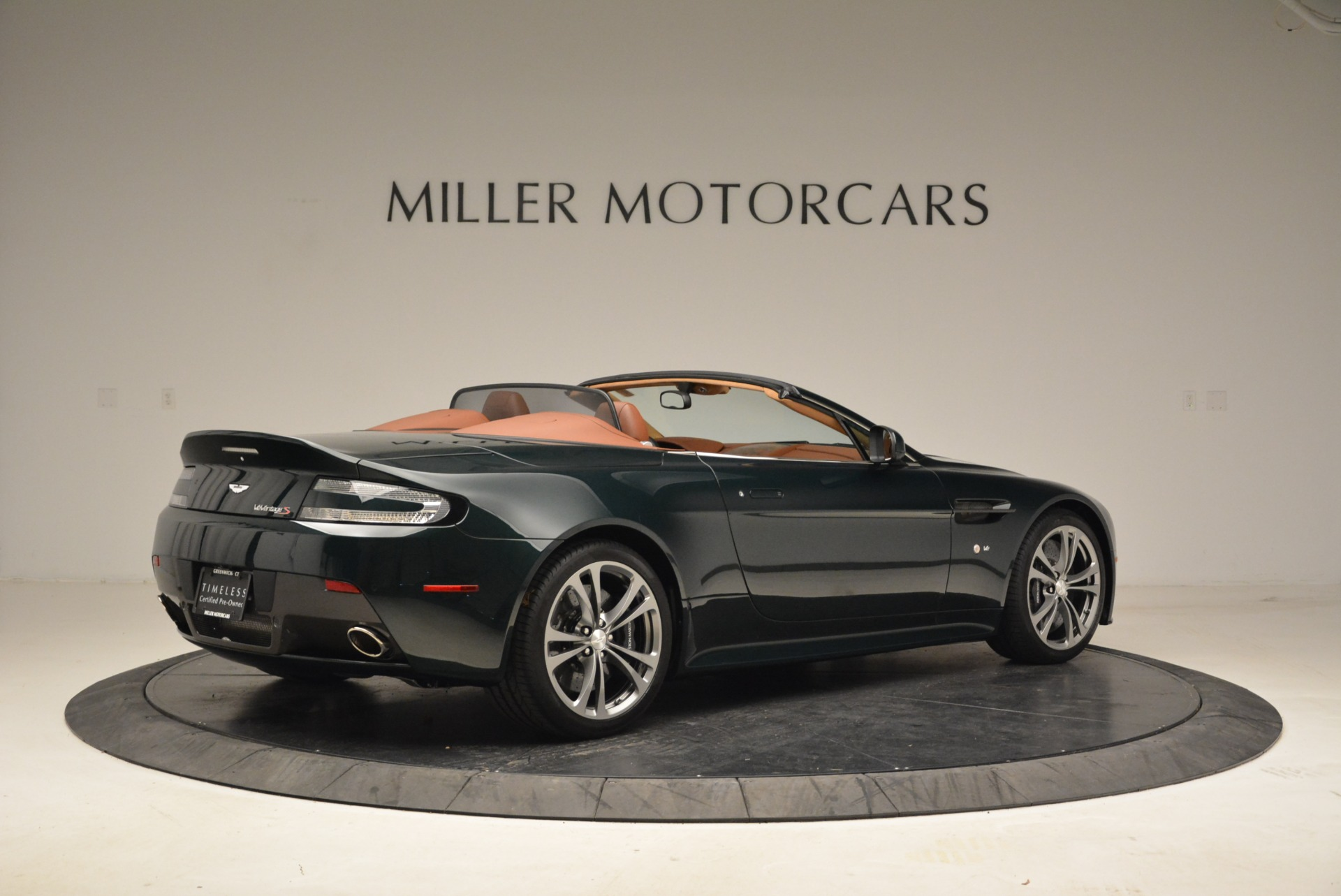 Used 2017 Aston Martin V12 Vantage S Roadster | Greenwich, CT