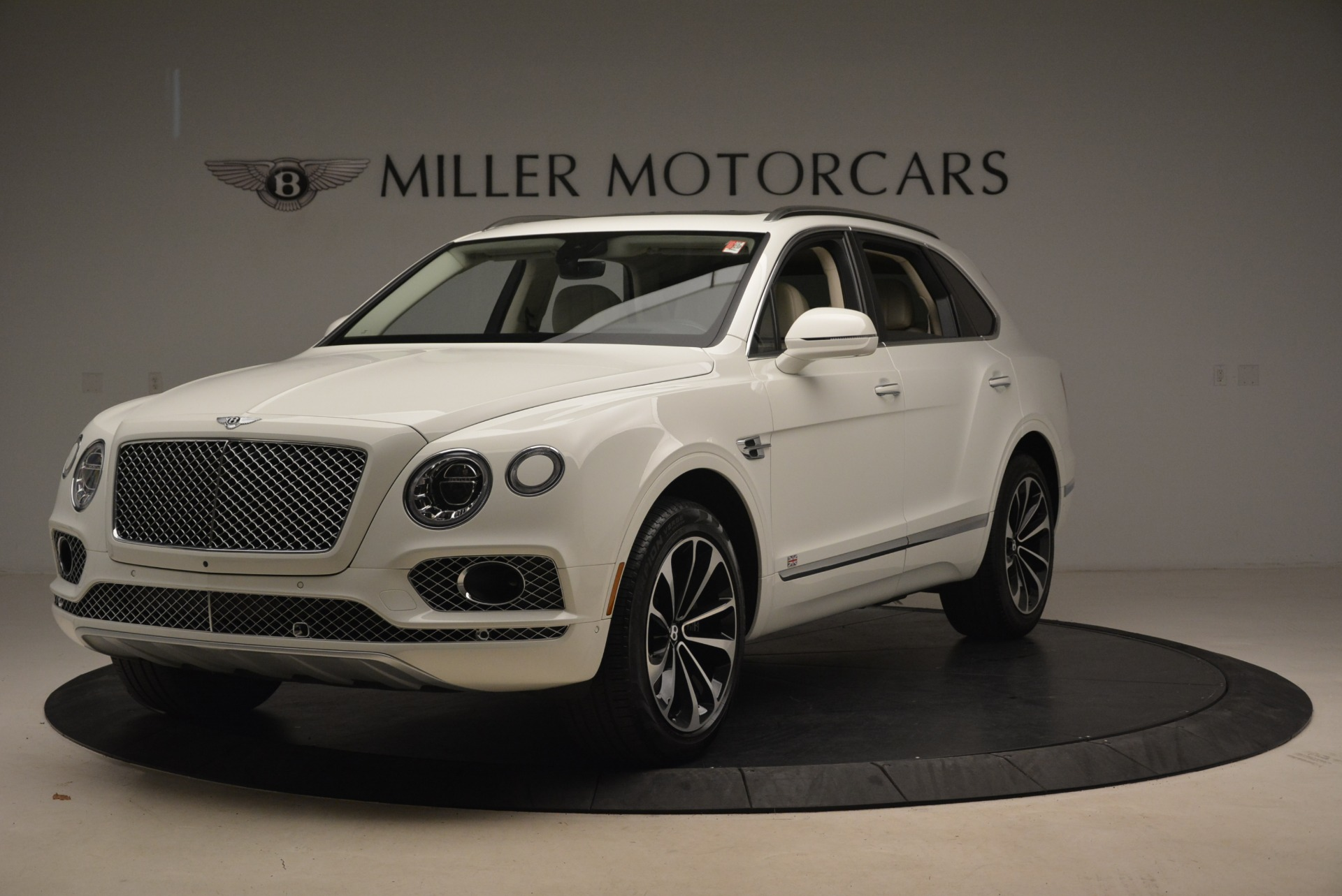 Used 2018 Bentley Bentayga Signature | Greenwich, CT