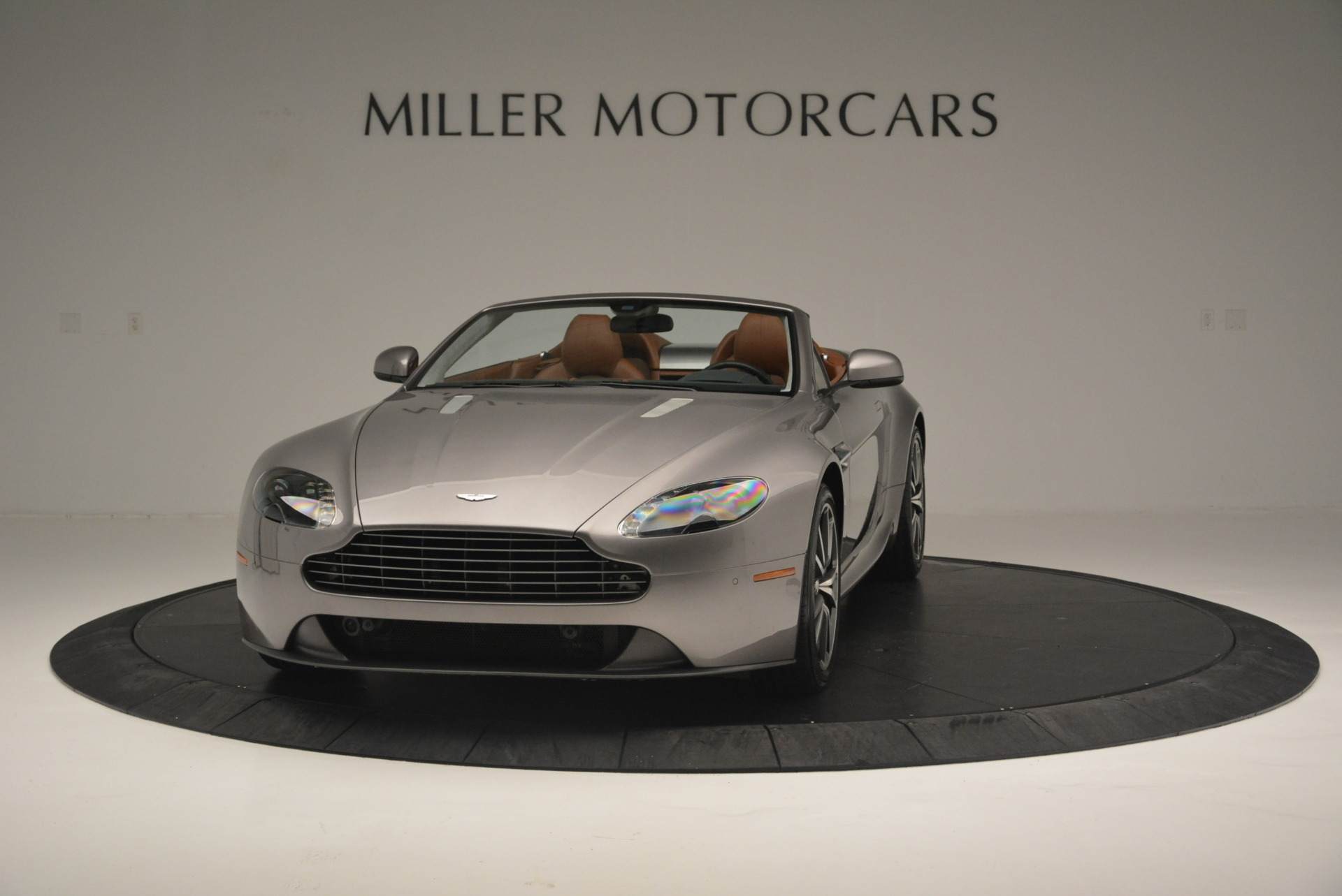 Used 2015 Aston Martin V8 Vantage Roadster | Greenwich, CT