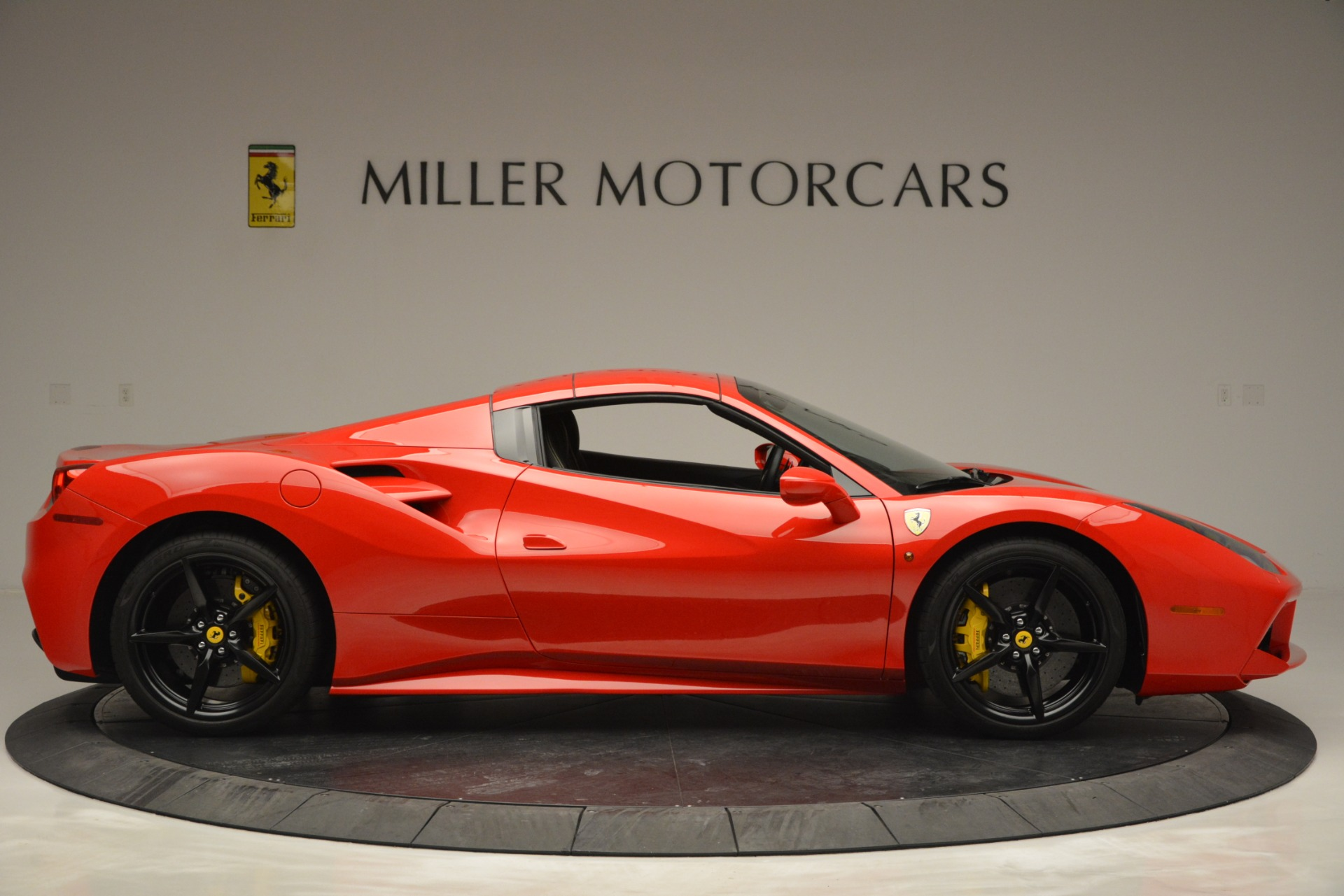 Used 2018 Ferrari 488 Spider  | Greenwich, CT