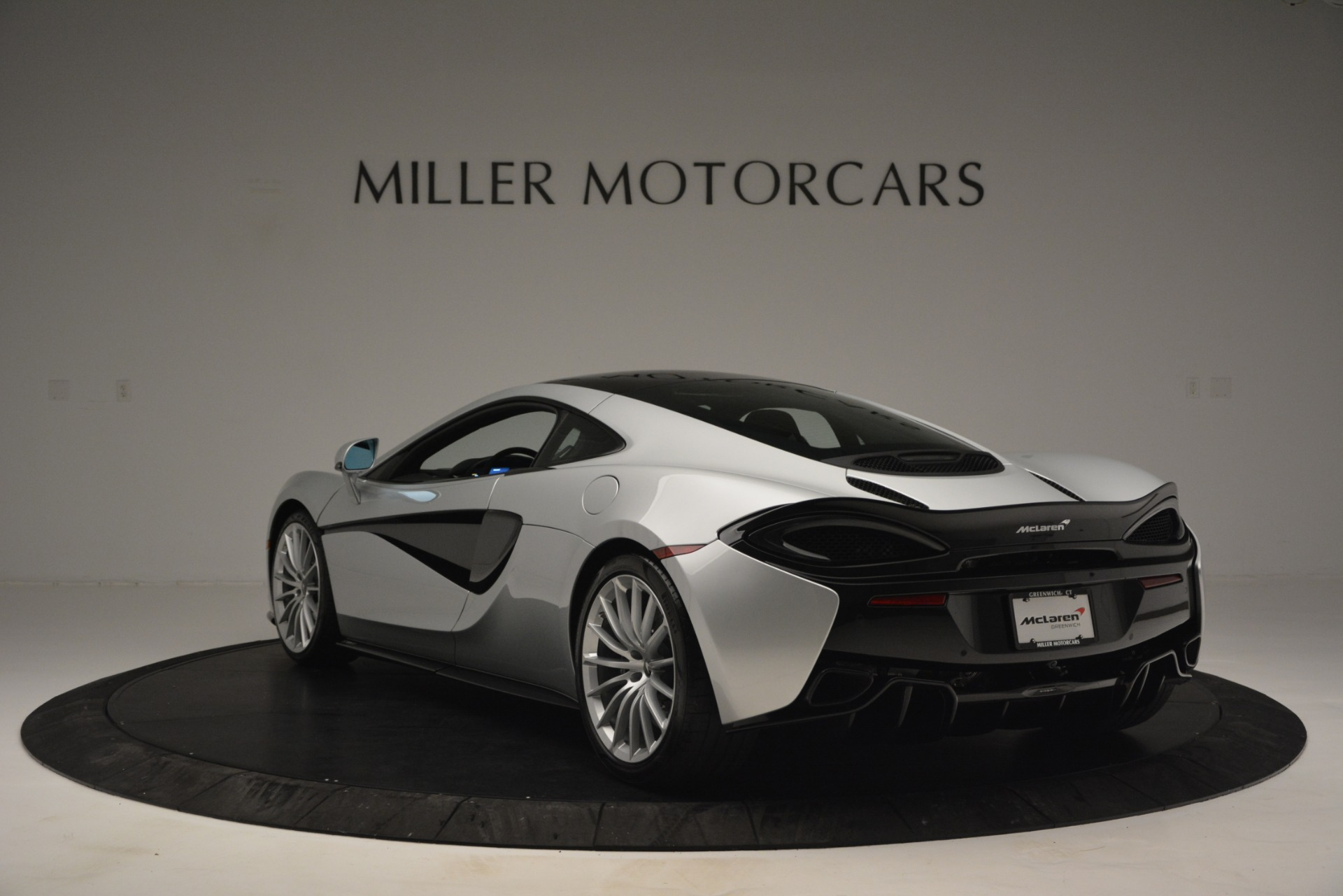 New 2019 McLaren 570GT Coupe | Greenwich, CT