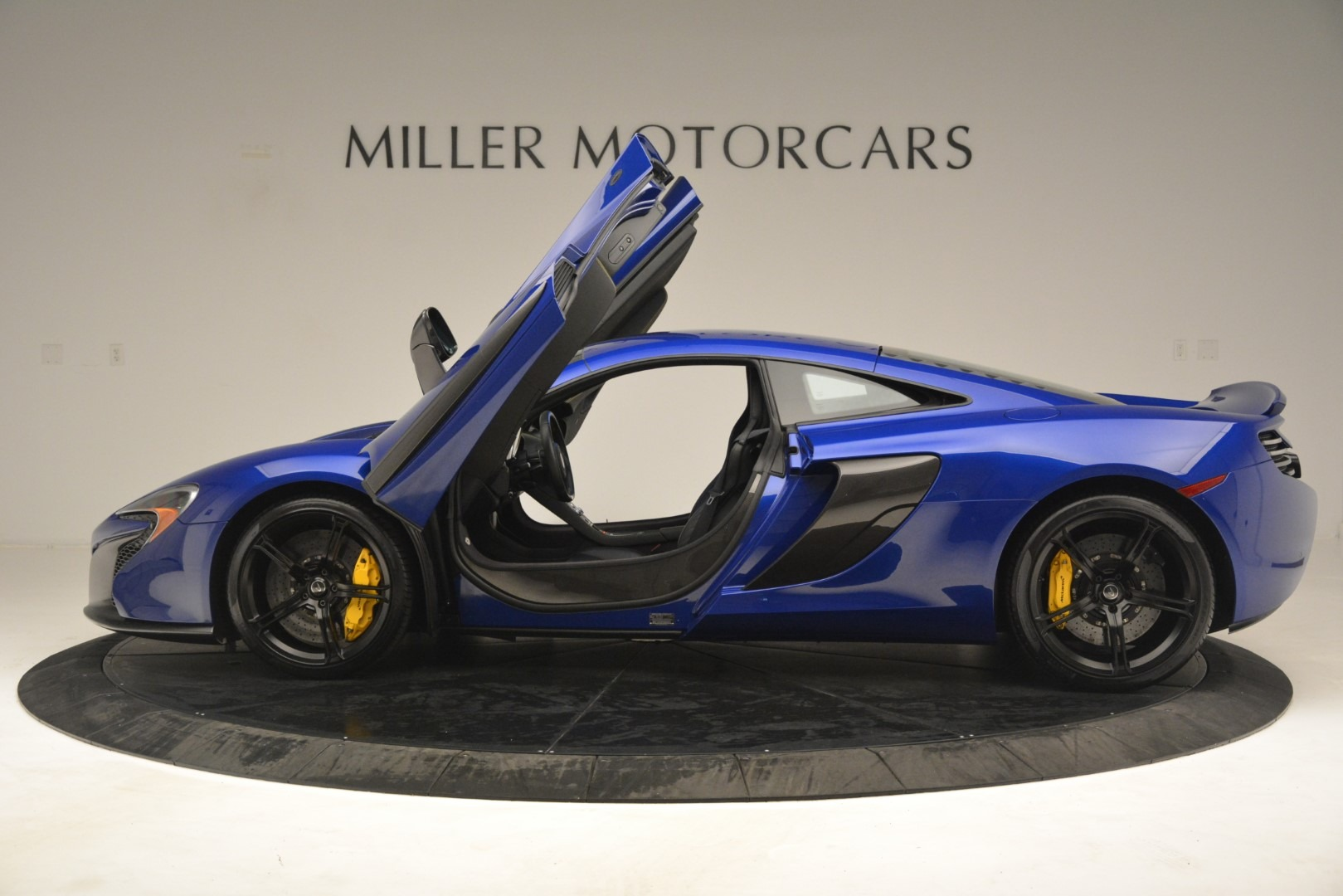 Used 2015 McLaren 650S Coupe | Greenwich, CT