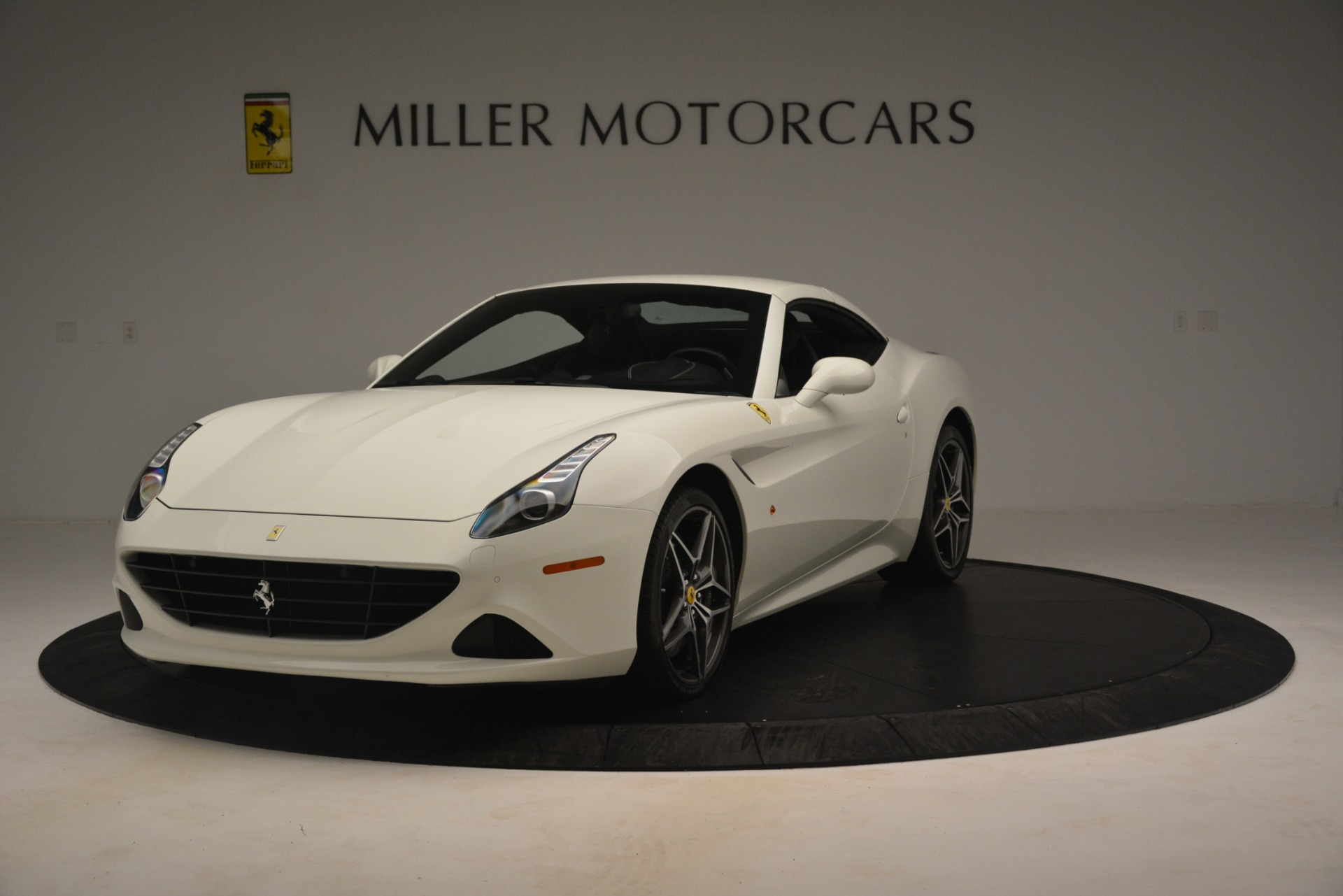Used 2016 Ferrari California T  | Greenwich, CT