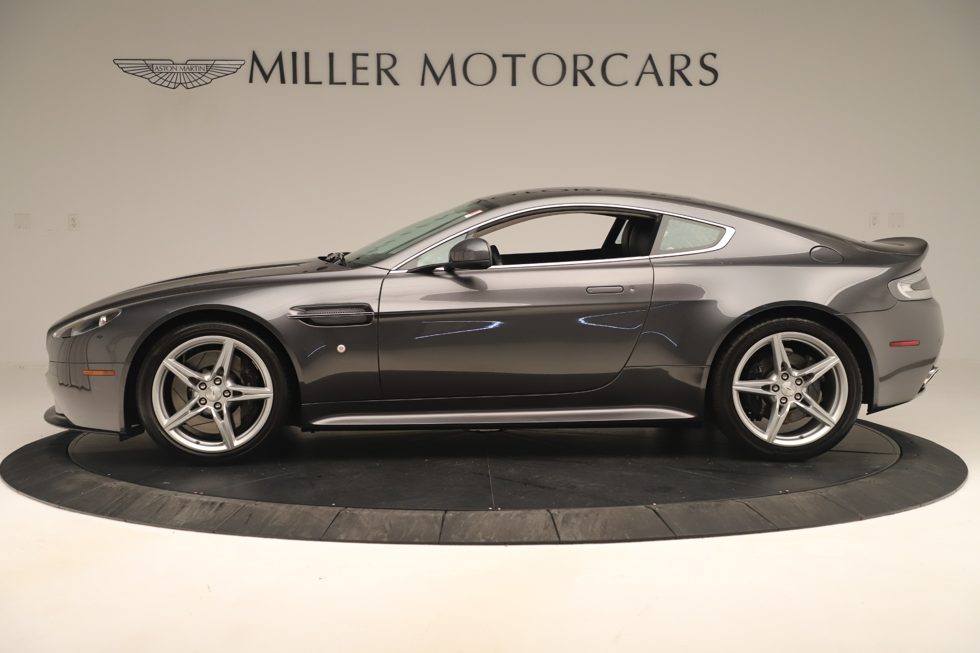 Used 2016 Aston Martin V8 Vantage S | Greenwich, CT