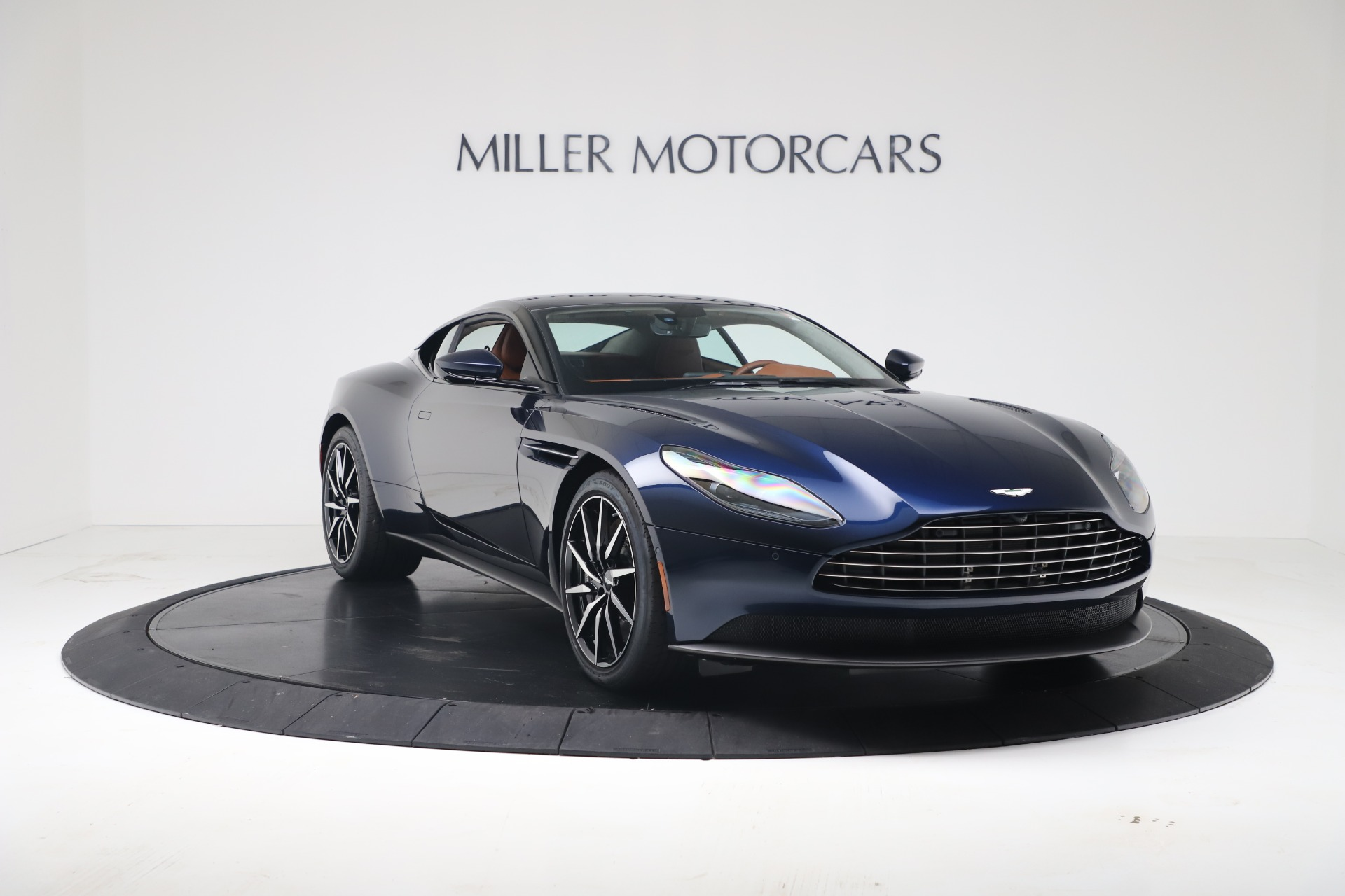 New 2020 Aston Martin DB11 V8 Coupe | Greenwich, CT