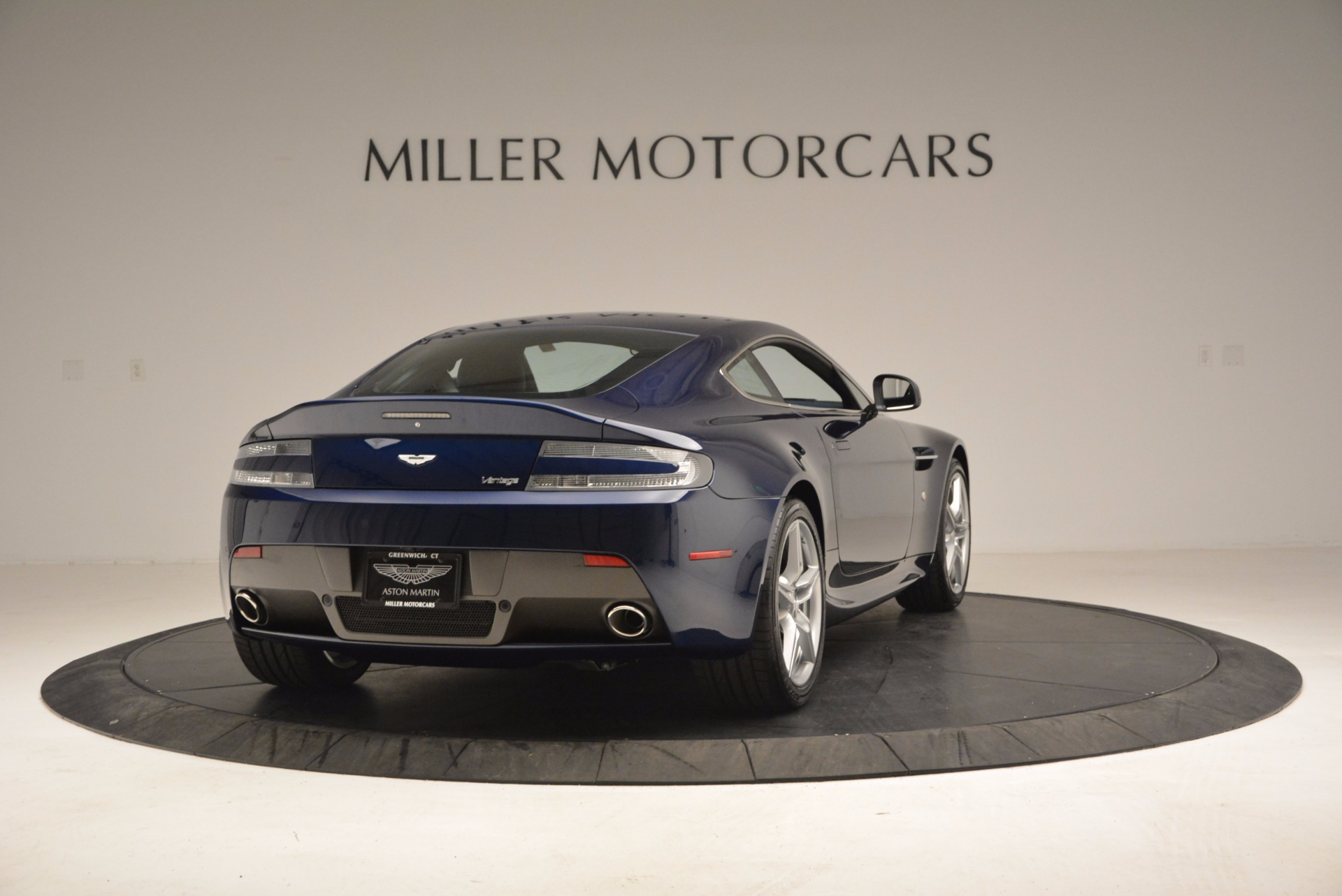 New 2016 Aston Martin V8 Vantage  | Greenwich, CT