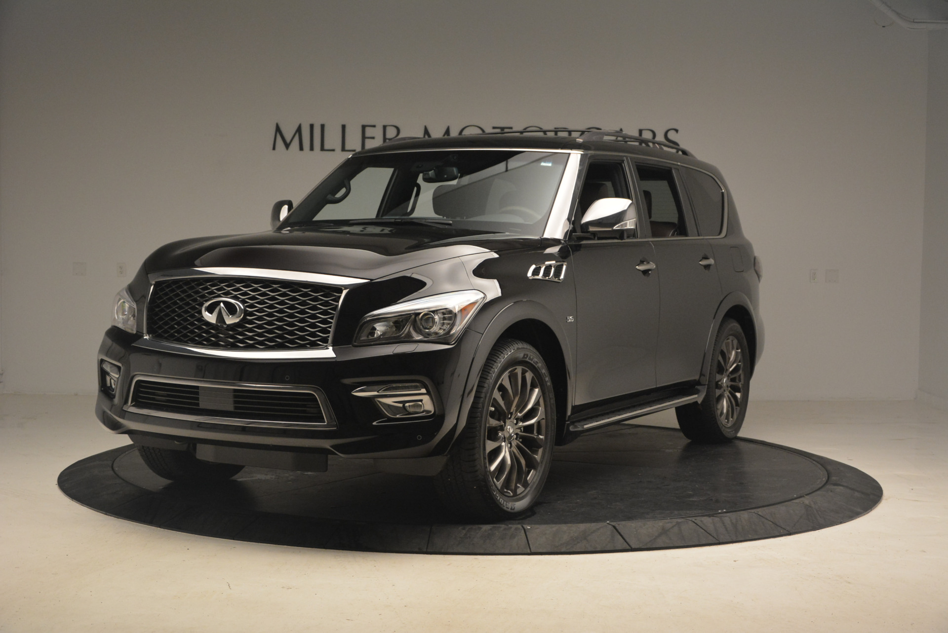 Used 2015 INFINITI QX80 Limited 4WD for sale Sold at McLaren Greenwich in Greenwich CT 06830 1