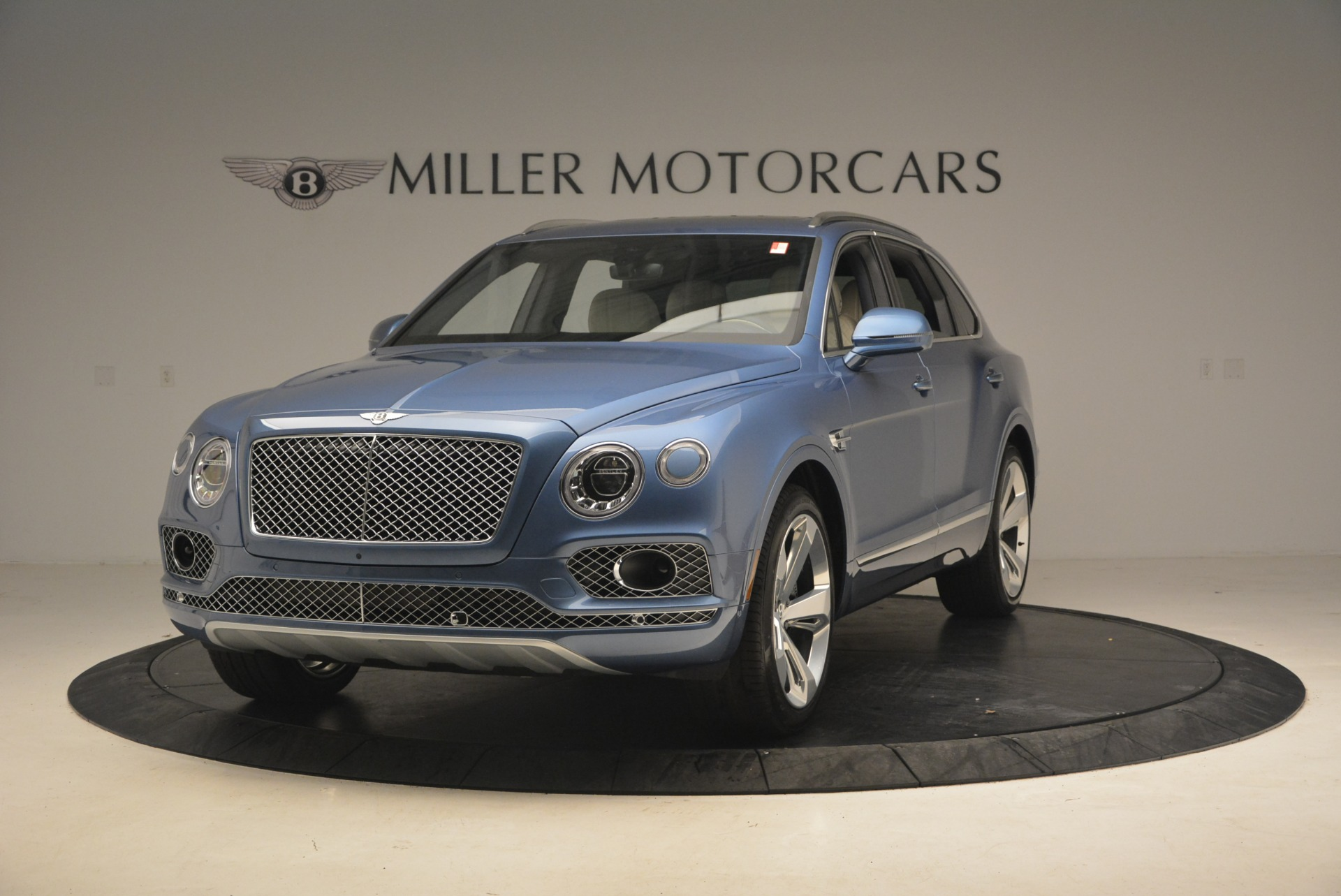 New 2018 Bentley Bentayga for sale Sold at McLaren Greenwich in Greenwich CT 06830 1
