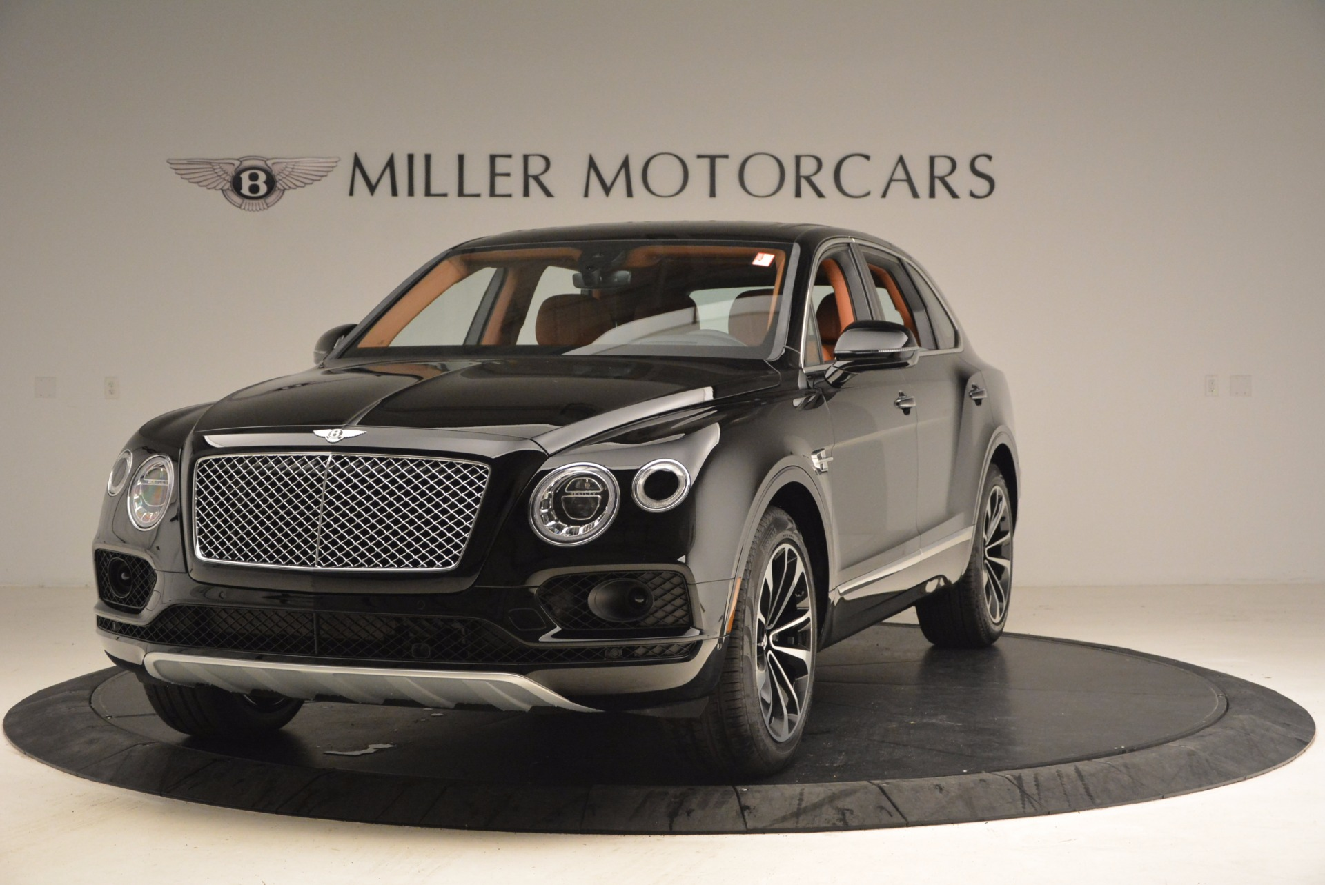 Used 2018 Bentley Bentayga Onyx for sale $149,900 at McLaren Greenwich in Greenwich CT 06830 1