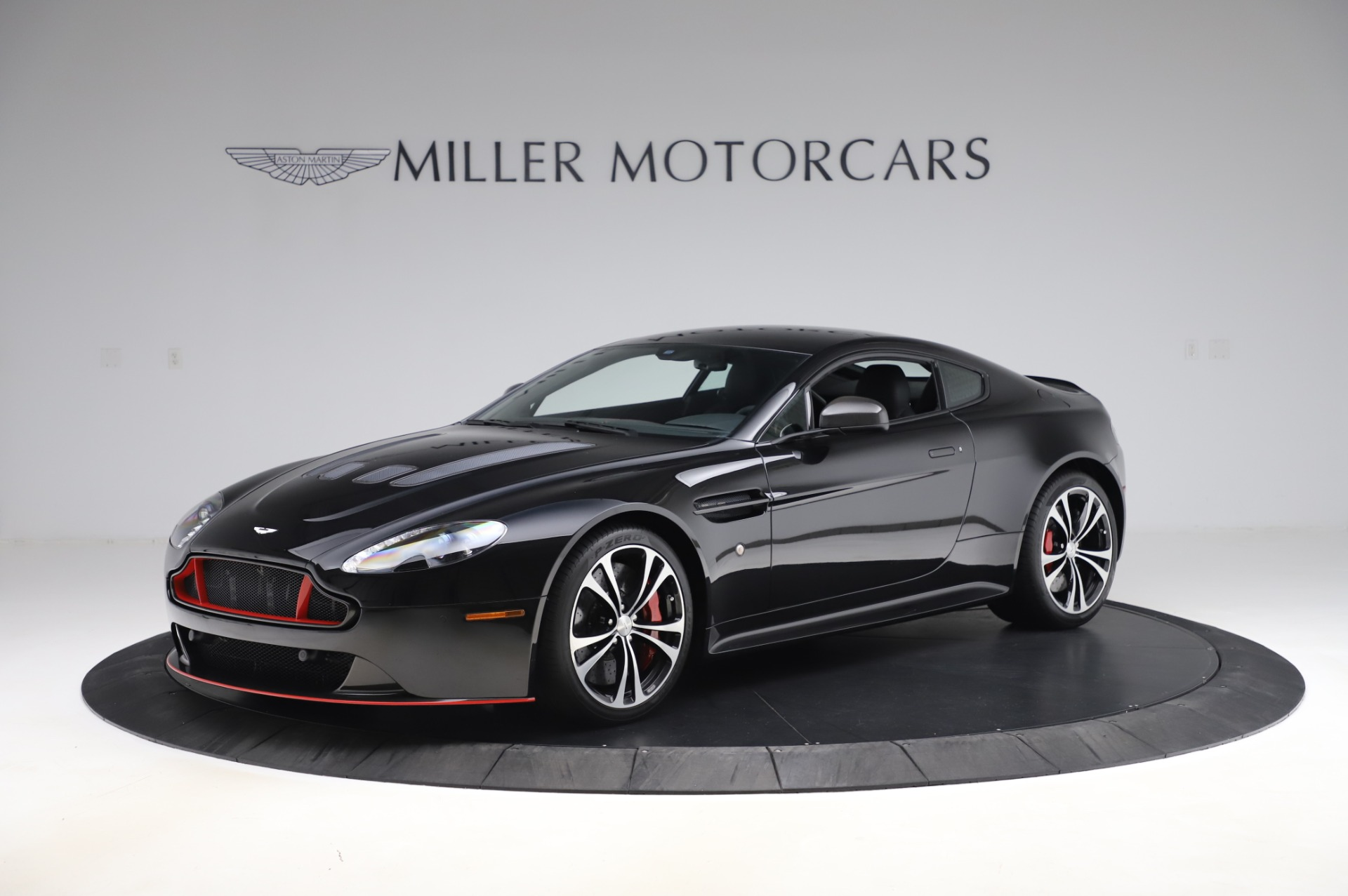 Used 2017 Aston Martin V12 Vantage S Coupe for sale $179,900 at McLaren Greenwich in Greenwich CT 06830 1
