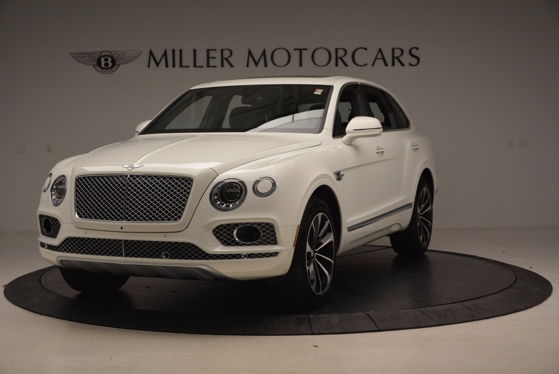 Used 2018 Bentley Bentayga Onyx for sale $159,900 at McLaren Greenwich in Greenwich CT 06830 1
