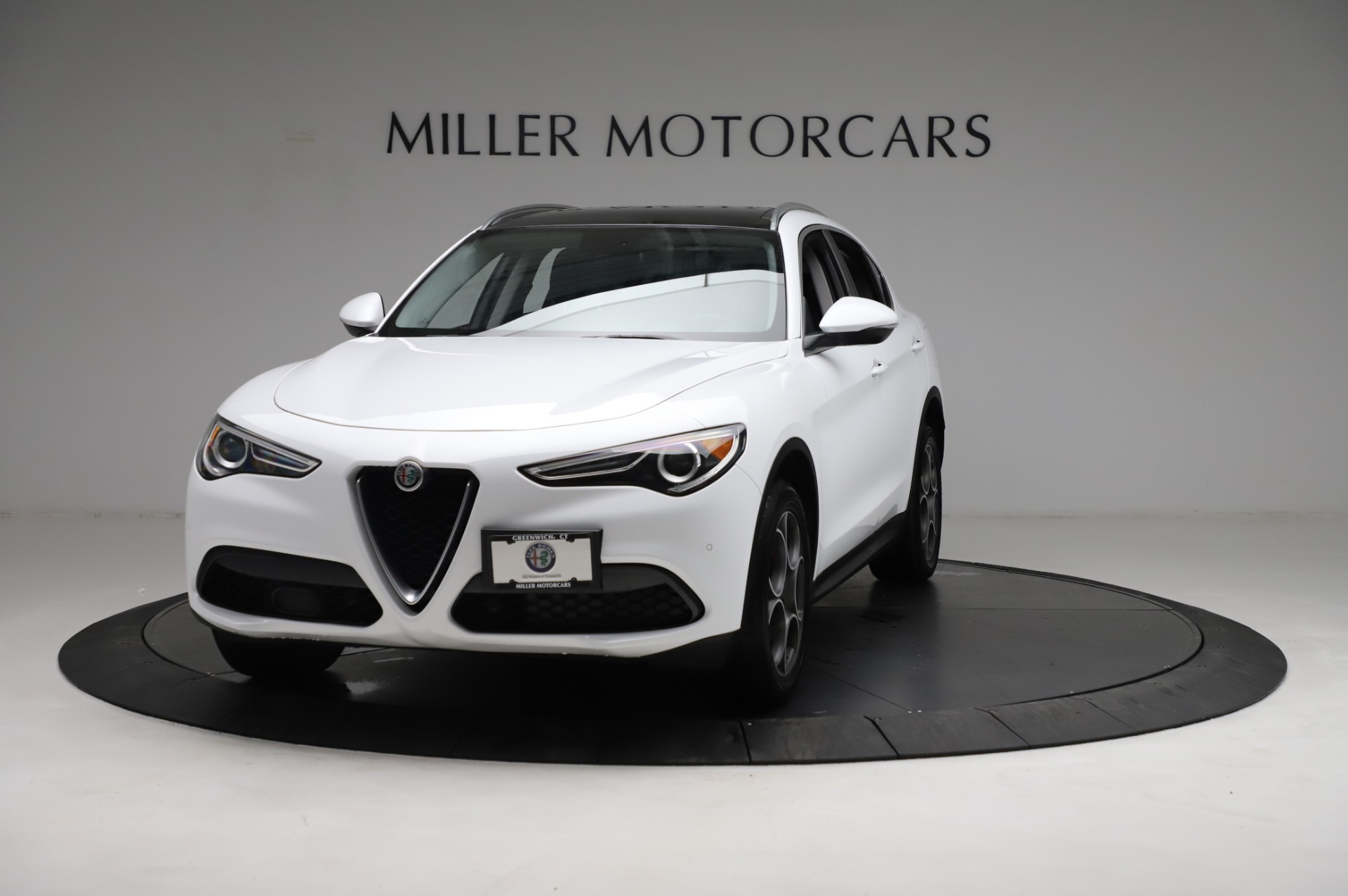 Used 2018 Alfa Romeo Stelvio Q4 for sale Sold at McLaren Greenwich in Greenwich CT 06830 1