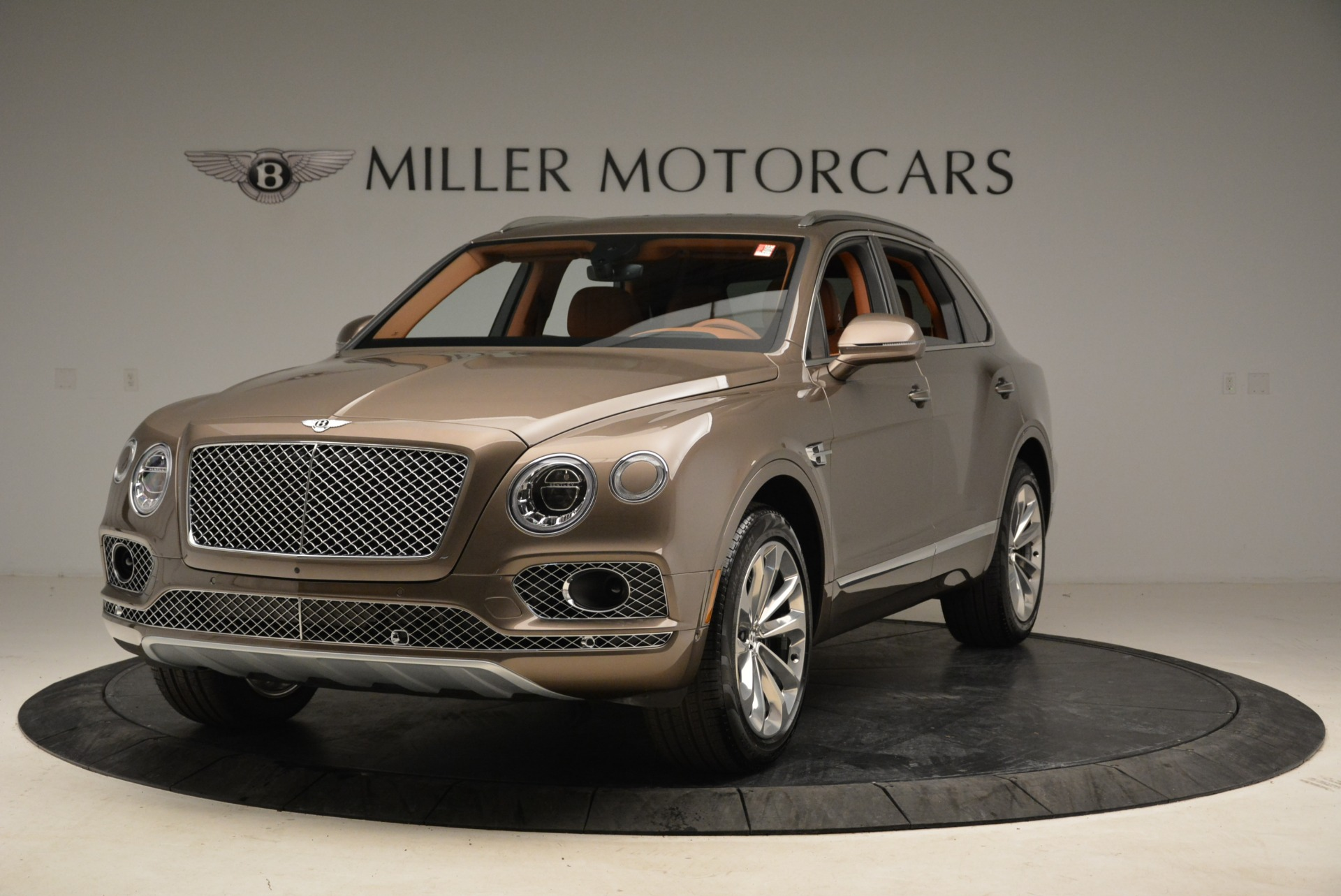 Used 2018 Bentley Bentayga W12 Signature for sale $159,900 at McLaren Greenwich in Greenwich CT 06830 1