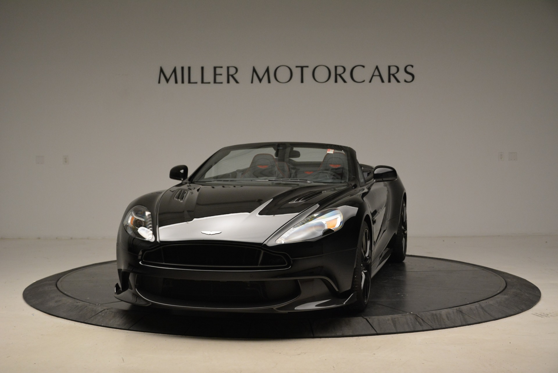 Used 2018 Aston Martin Vanquish S Convertible for sale Sold at McLaren Greenwich in Greenwich CT 06830 1