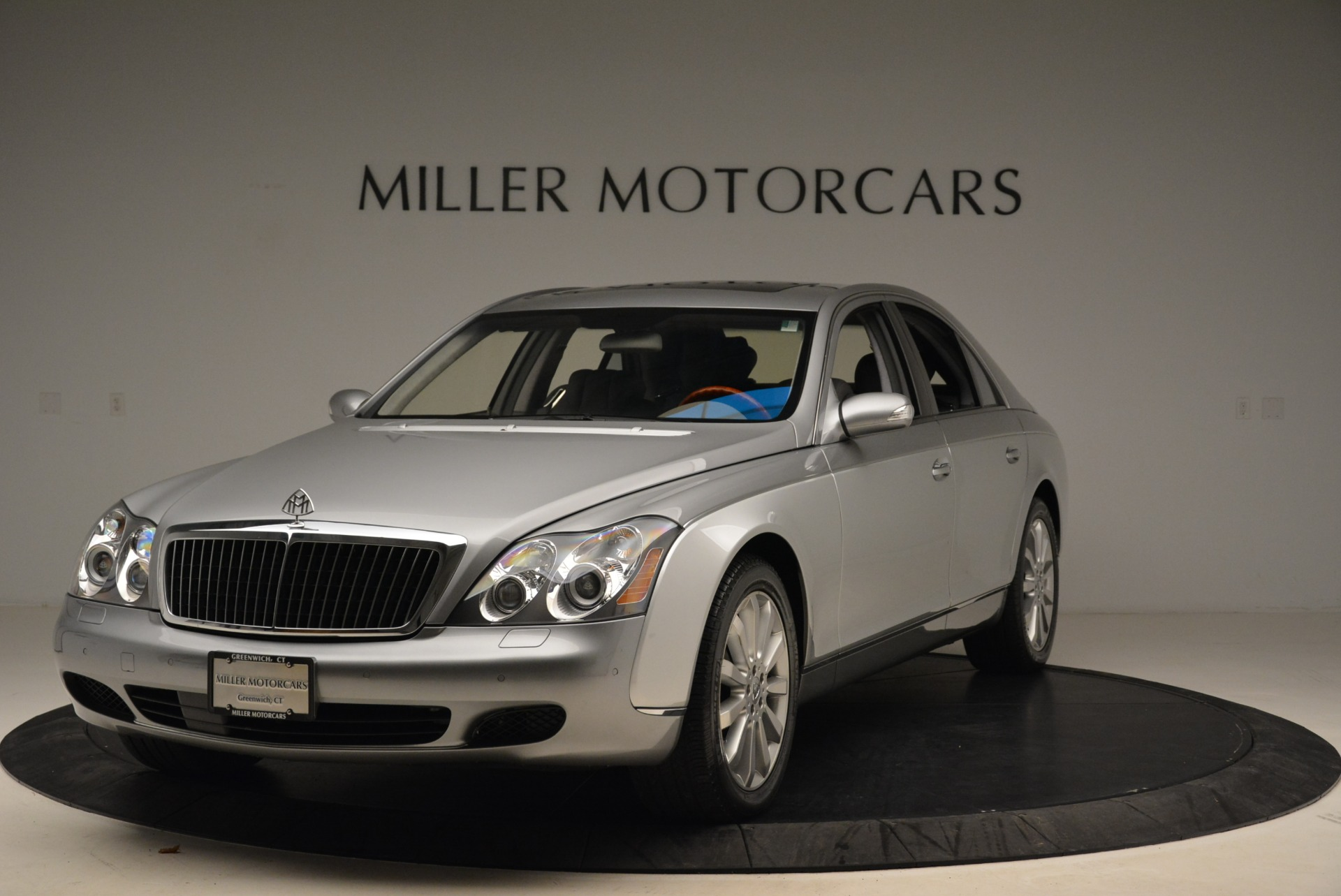 Used 2004 Maybach 57 for sale Sold at McLaren Greenwich in Greenwich CT 06830 1