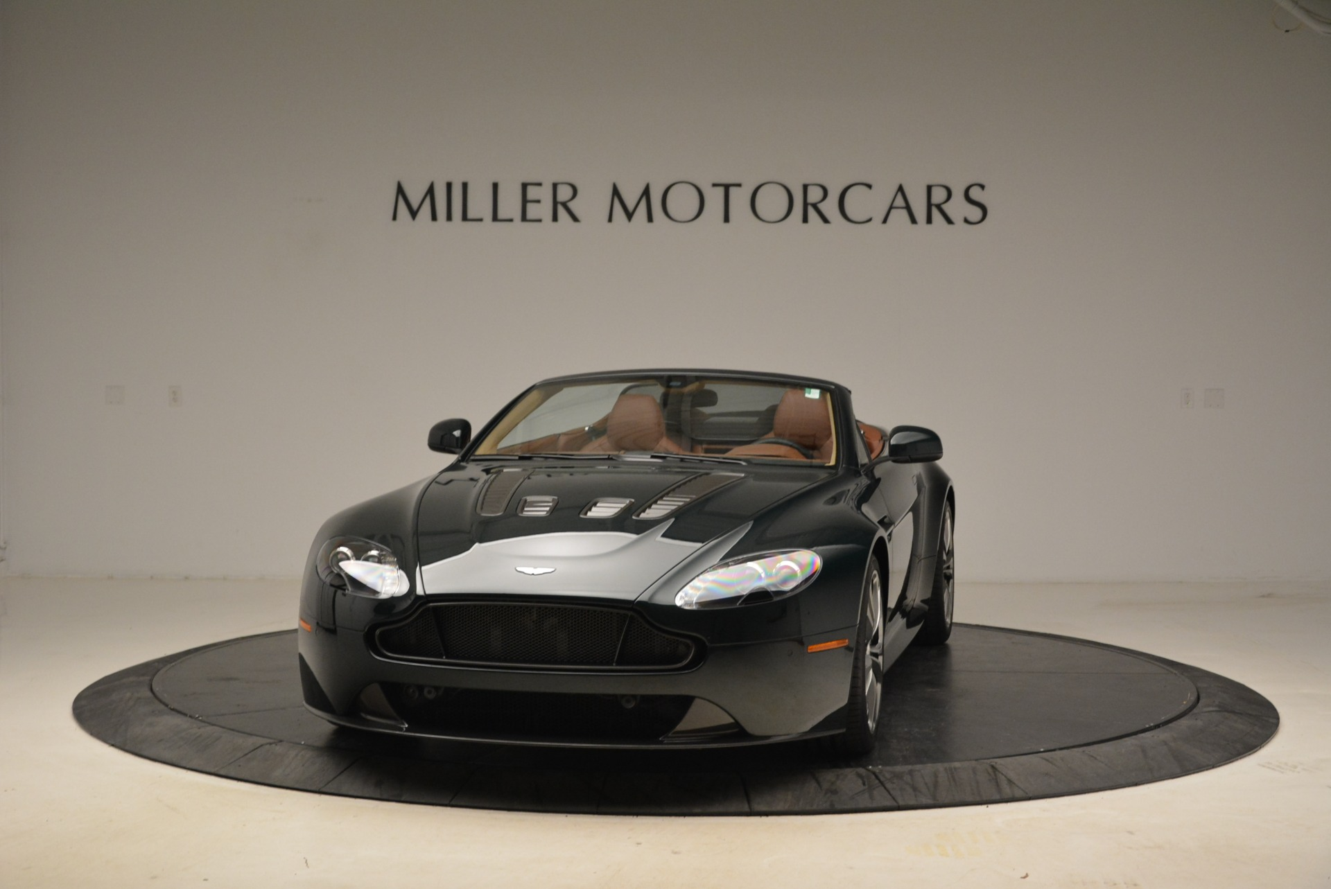 Used 2017 Aston Martin V12 Vantage S Roadster for sale Sold at McLaren Greenwich in Greenwich CT 06830 1