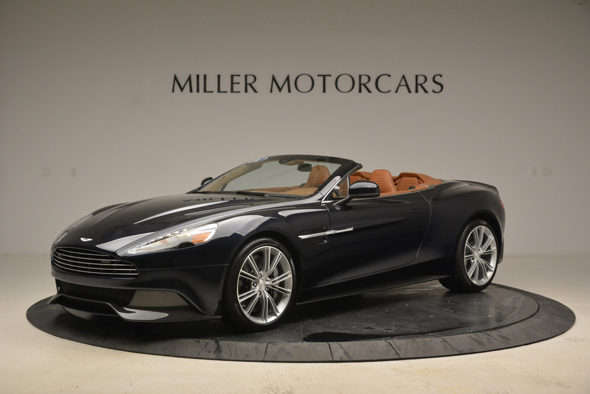 Pre Owned 2014 Aston Martin Vanquish Volante For Sale Special Pricing Mclaren Greenwich Stock A1283a
