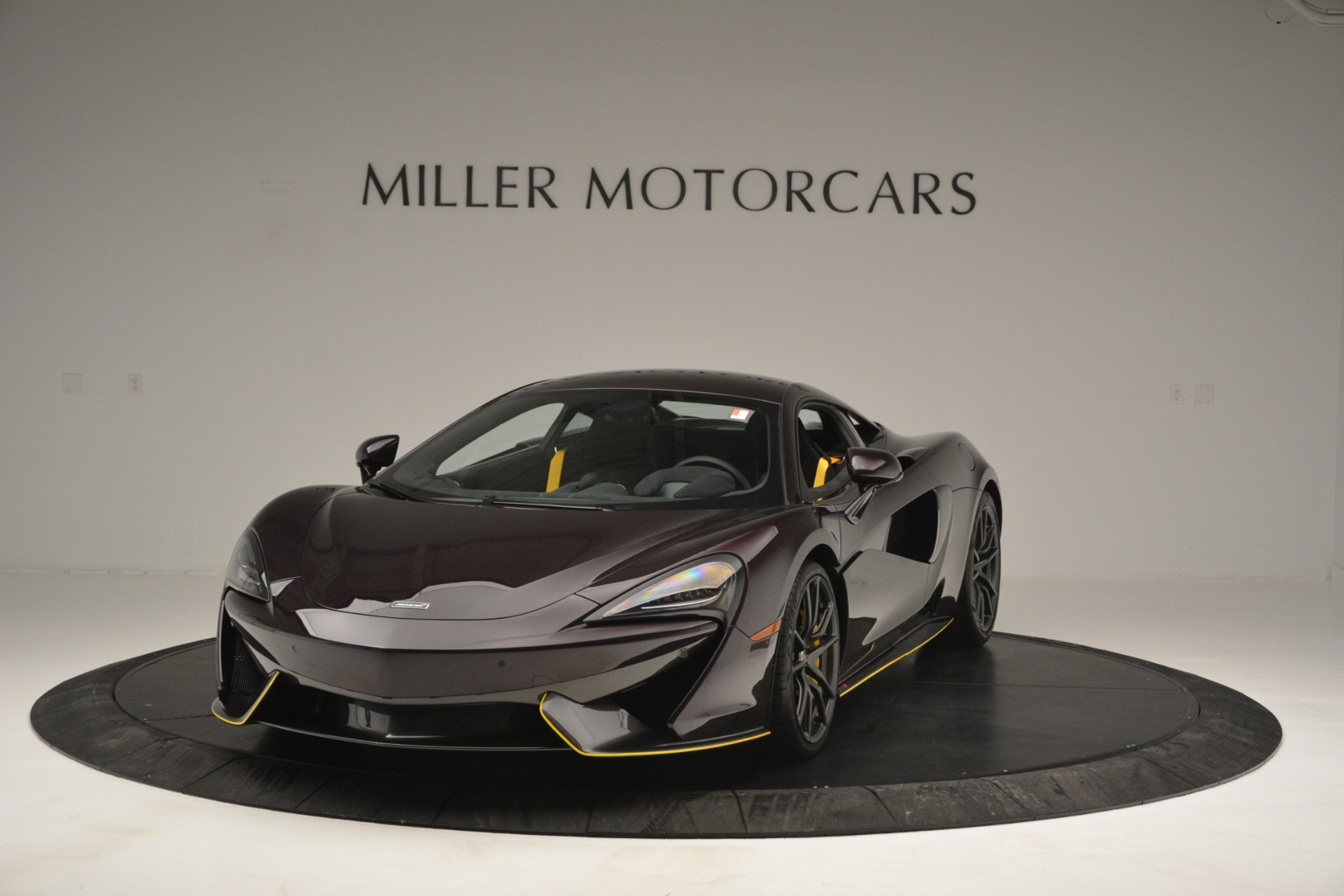 Used 2018 McLaren 570S for sale Sold at McLaren Greenwich in Greenwich CT 06830 1