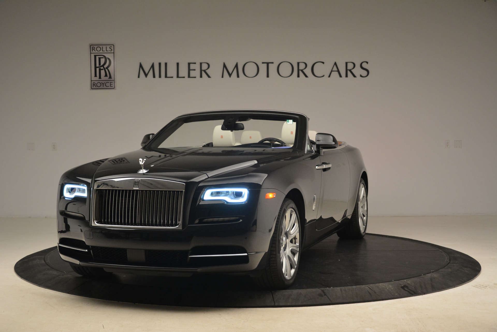 Used 2016 Rolls-Royce Dawn for sale Sold at McLaren Greenwich in Greenwich CT 06830 1