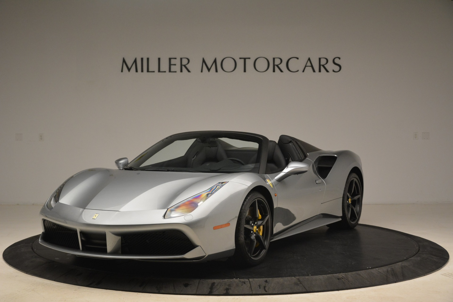 Used 2018 Ferrari 488 Spider for sale $274,900 at McLaren Greenwich in Greenwich CT 06830 1