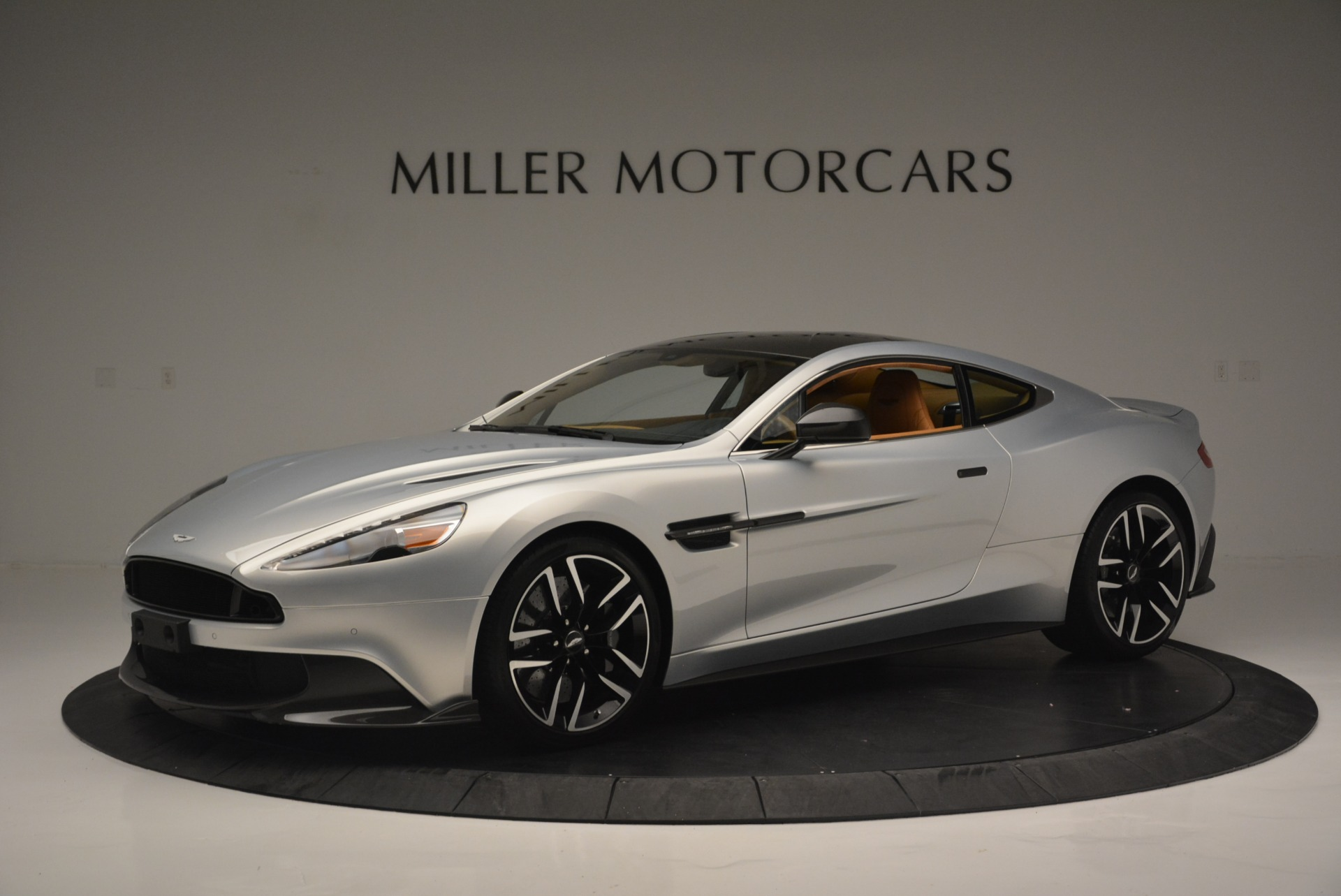 Used 2018 Aston Martin Vanquish S Coupe for sale Sold at McLaren Greenwich in Greenwich CT 06830 1