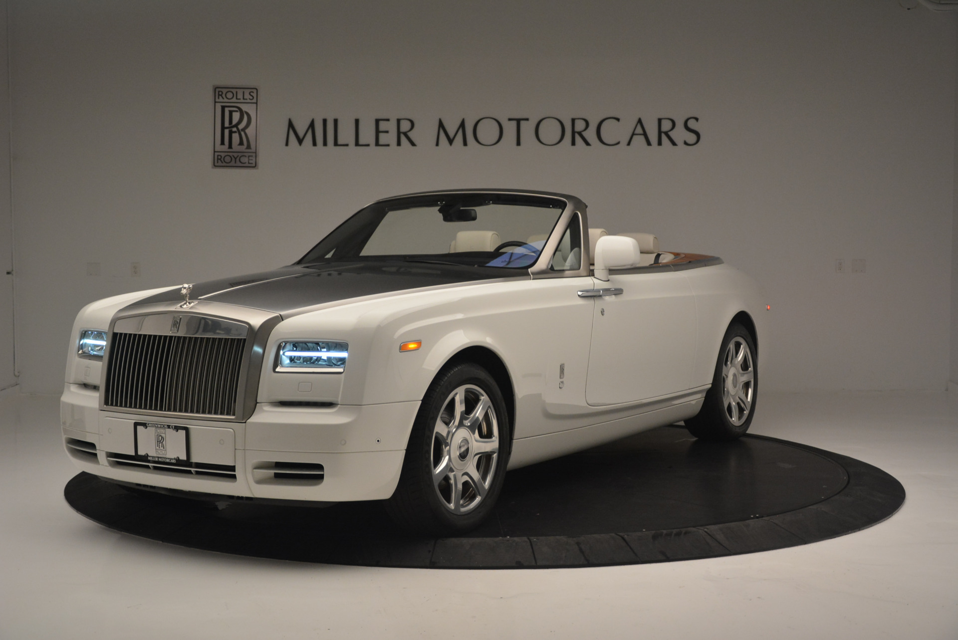 Used 2013 Rolls-Royce Phantom Drophead Coupe for sale Sold at McLaren Greenwich in Greenwich CT 06830 1