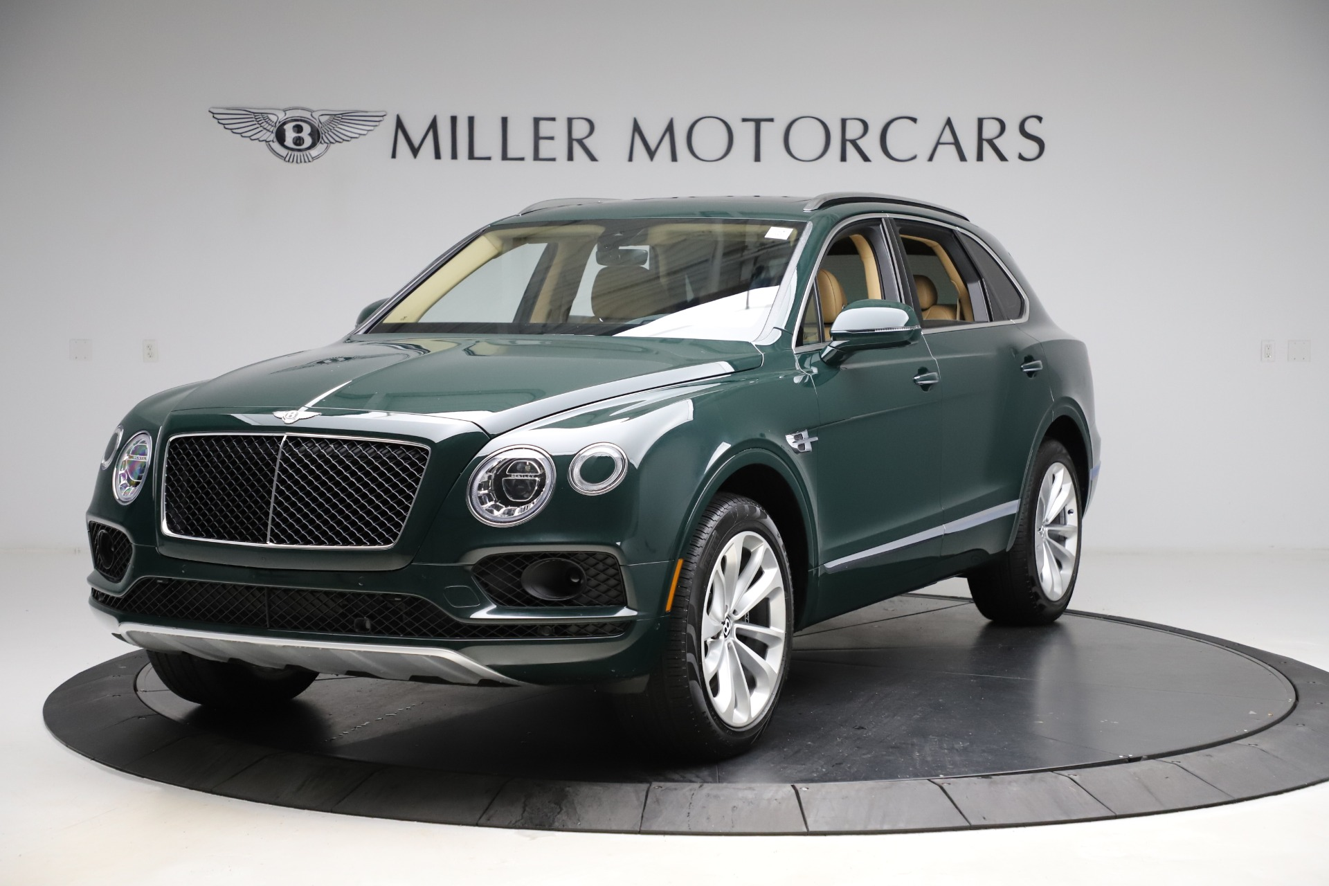 Used 2019 Bentley Bentayga V8 for sale $158,900 at McLaren Greenwich in Greenwich CT 06830 1