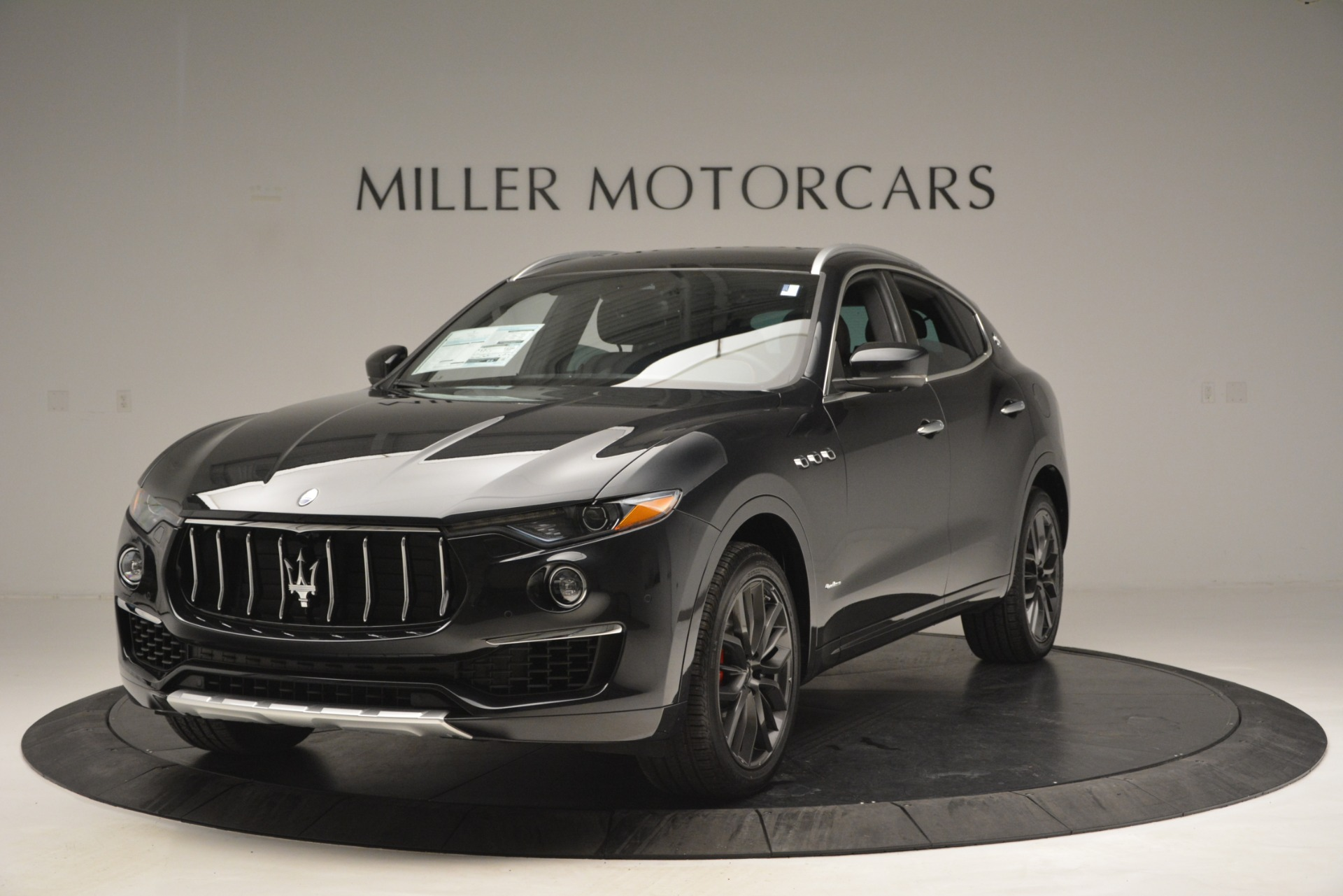 New 2019 Maserati Levante Q4 GranLusso for sale $86,940 at McLaren Greenwich in Greenwich CT 06830 1
