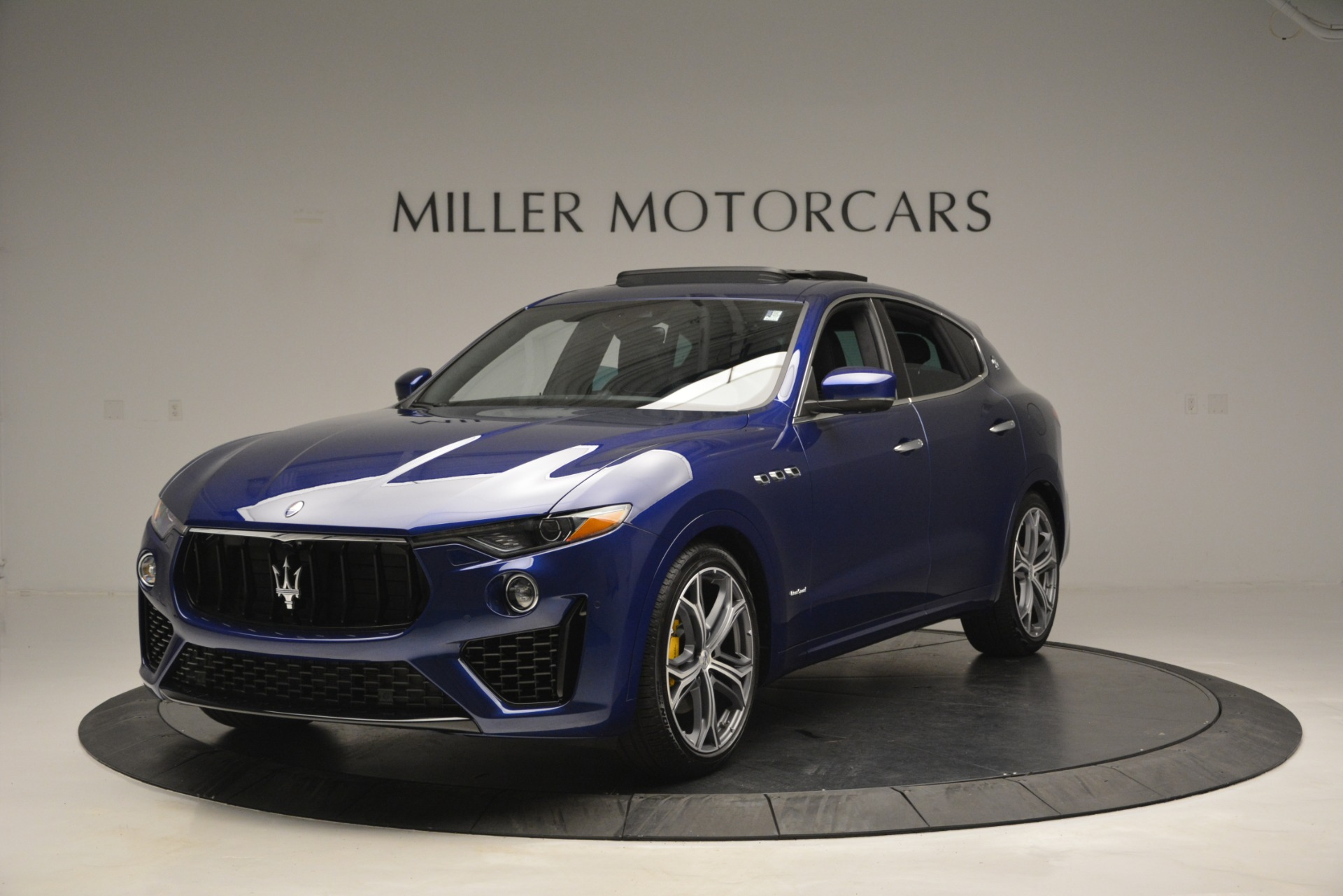 New 2019 Maserati Levante Q4 GranSport for sale $90,370 at McLaren Greenwich in Greenwich CT 06830 1