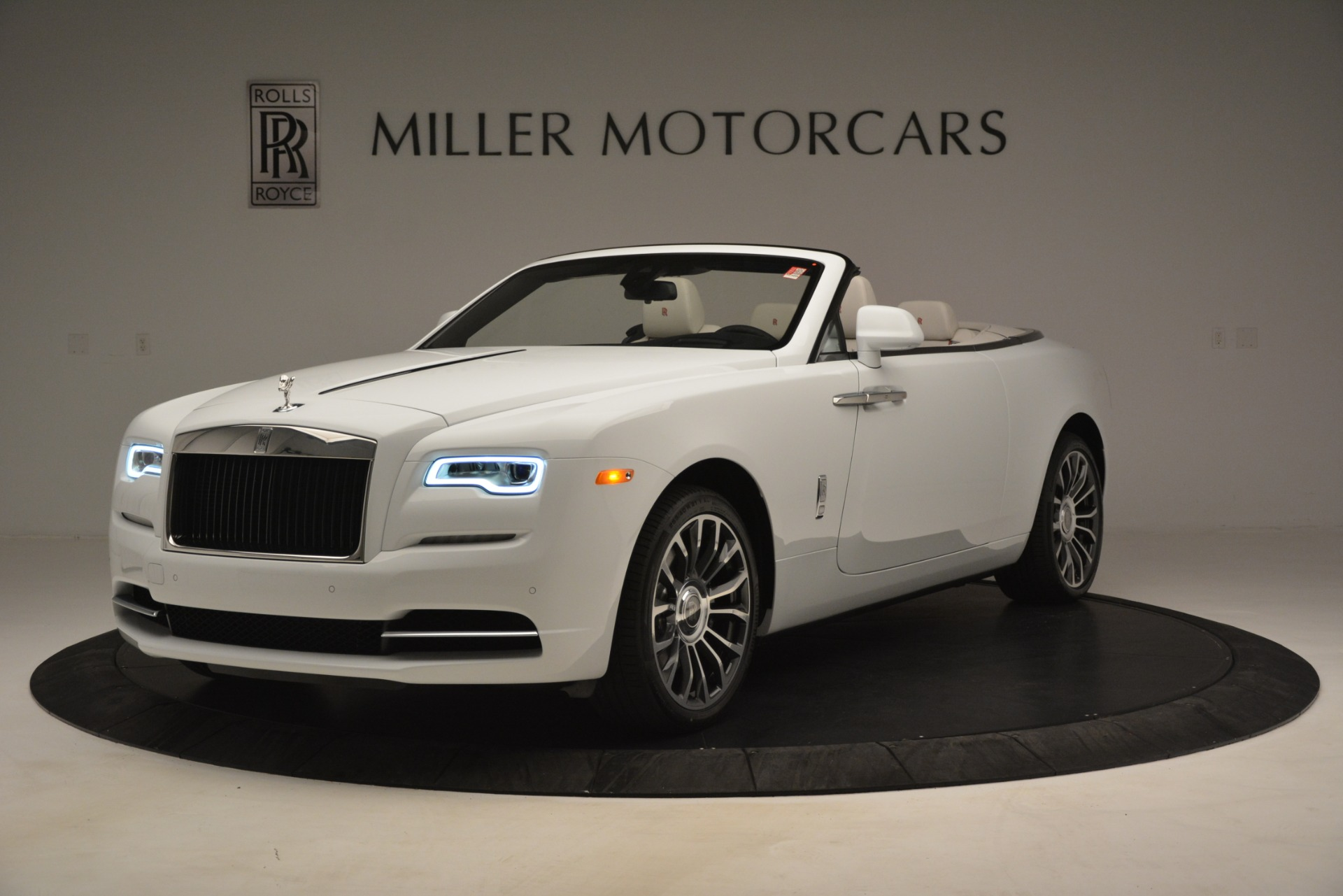 Used 2019 Rolls-Royce Dawn for sale $389,900 at McLaren Greenwich in Greenwich CT 06830 1