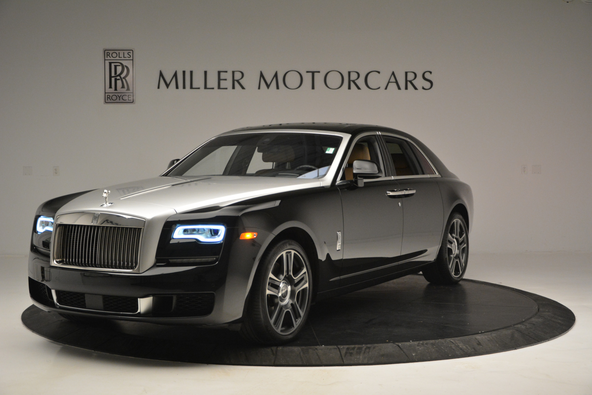 Used 2018 Rolls-Royce Ghost for sale Sold at McLaren Greenwich in Greenwich CT 06830 1