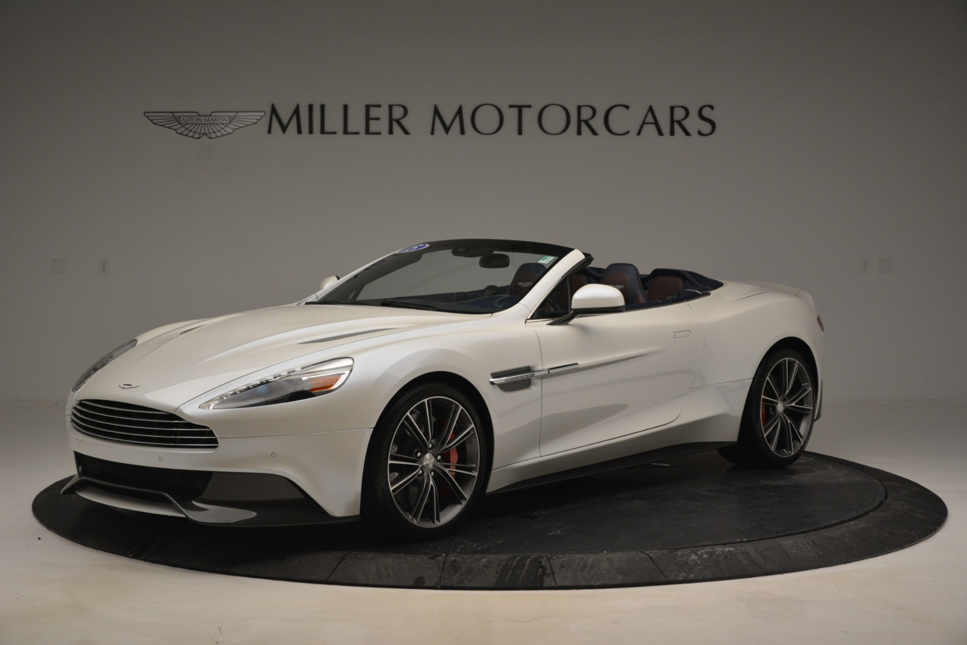 Used 2015 Aston Martin Vanquish Convertible for sale Sold at McLaren Greenwich in Greenwich CT 06830 1