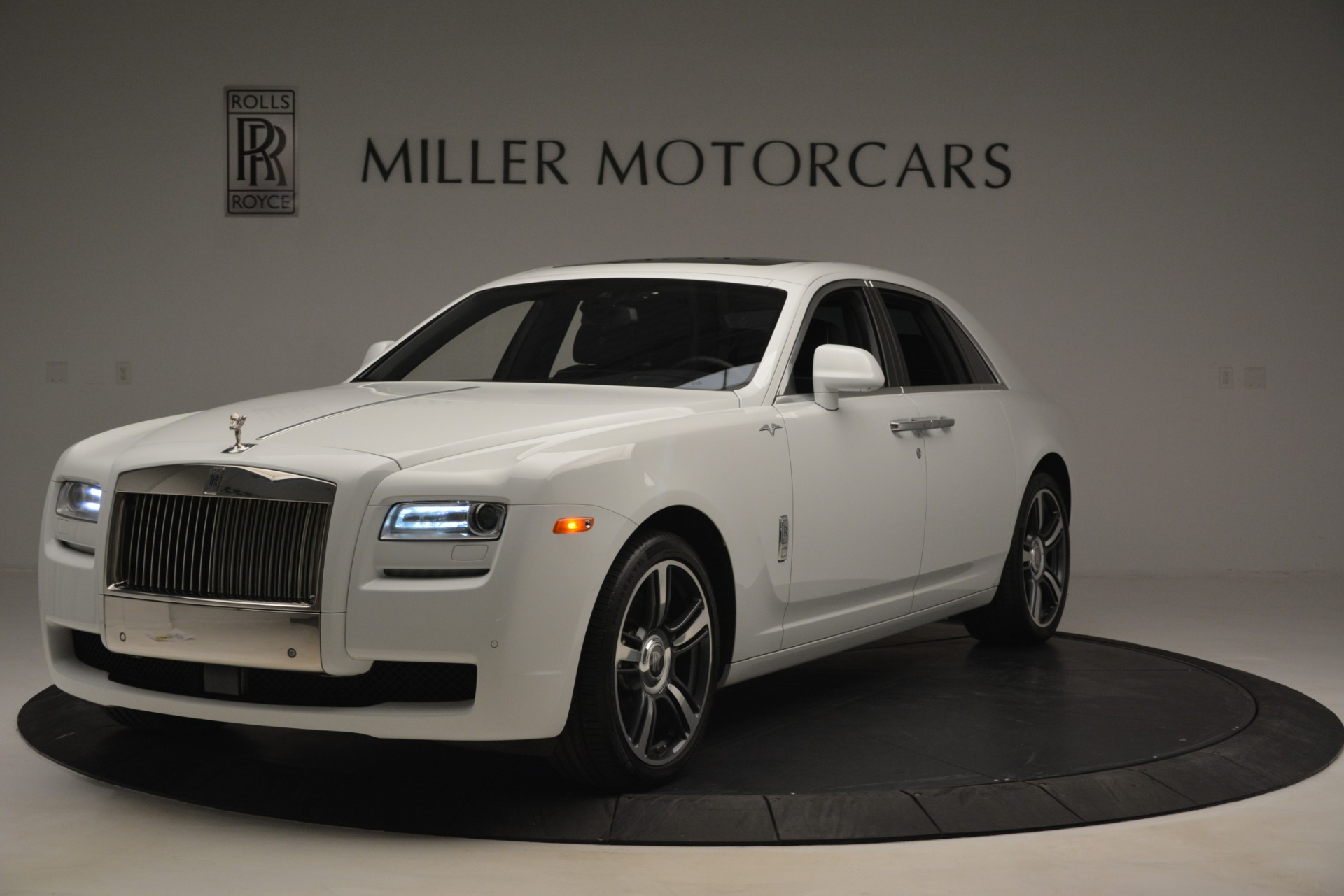 Used 2014 Rolls-Royce Ghost V-Spec for sale Sold at McLaren Greenwich in Greenwich CT 06830 1