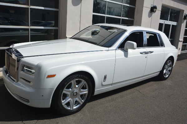Used 2014 Rolls-Royce Phantom for sale Sold at McLaren Greenwich in Greenwich CT 06830 3