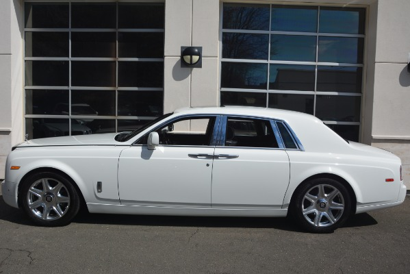 Used 2014 Rolls-Royce Phantom for sale Sold at McLaren Greenwich in Greenwich CT 06830 4