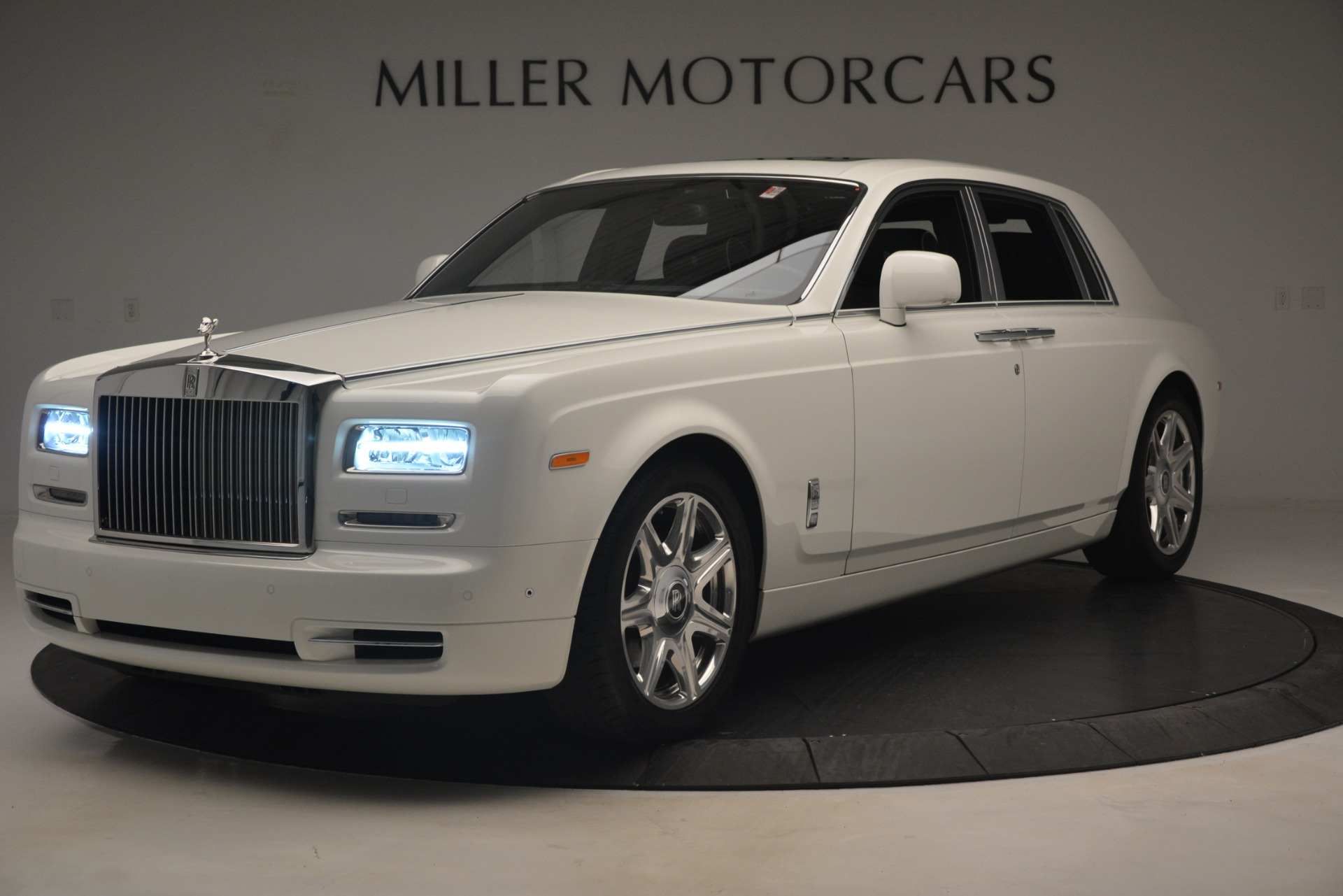 Used 2014 Rolls-Royce Phantom for sale Sold at McLaren Greenwich in Greenwich CT 06830 1