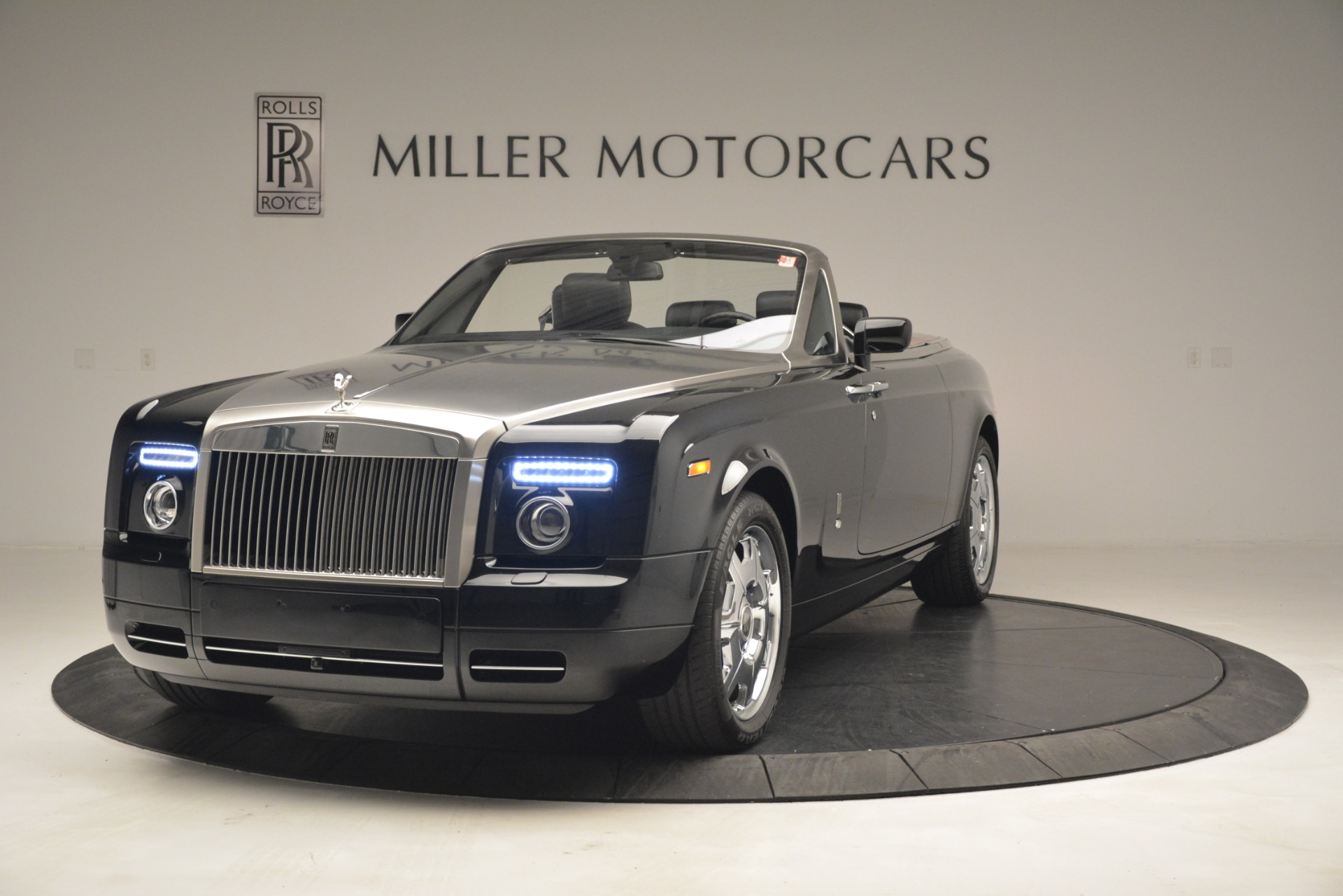 Used 2008 Rolls-Royce Phantom Drophead Coupe for sale Sold at McLaren Greenwich in Greenwich CT 06830 1