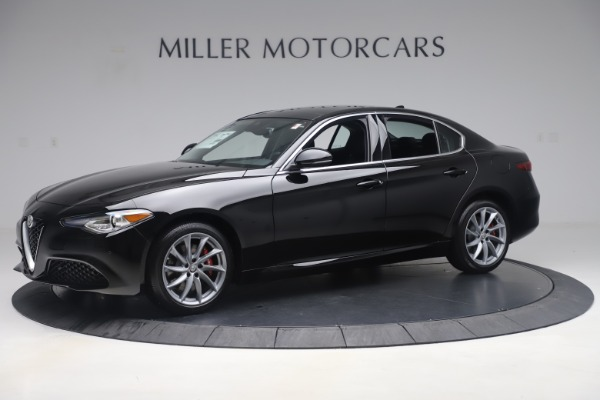 New 2019 Alfa Romeo Giulia Q4 for sale $46,140 at McLaren Greenwich in Greenwich CT 06830 2