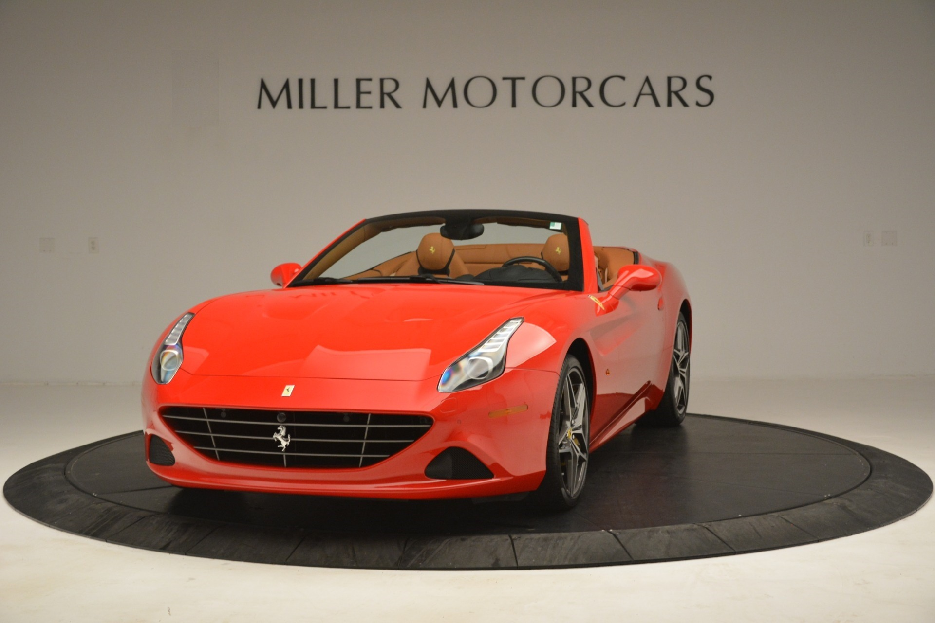Used 2017 Ferrari California T Handling Speciale for sale $174,900 at McLaren Greenwich in Greenwich CT 06830 1