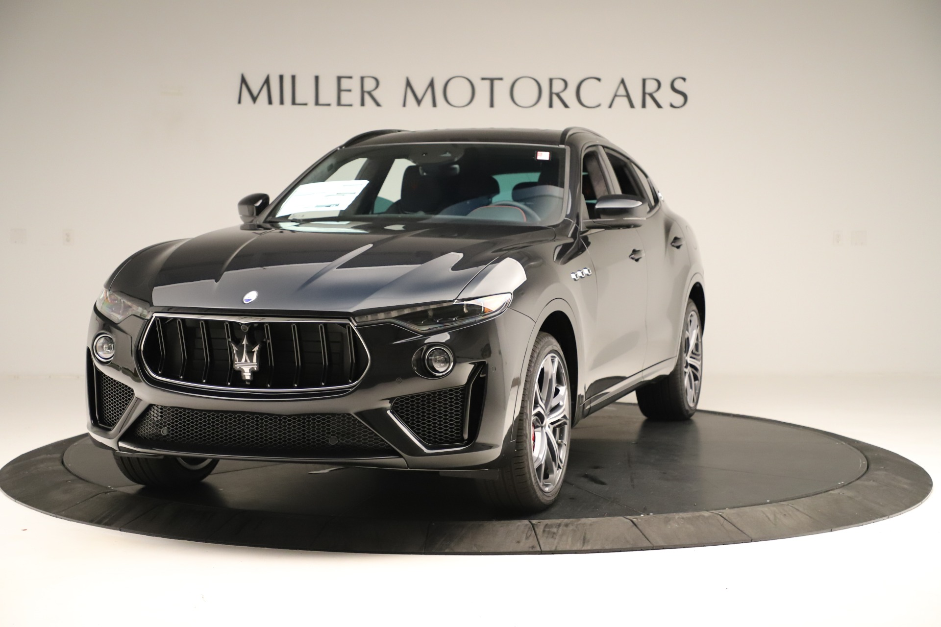 New 2019 Maserati Levante GTS for sale $134,005 at McLaren Greenwich in Greenwich CT 06830 1