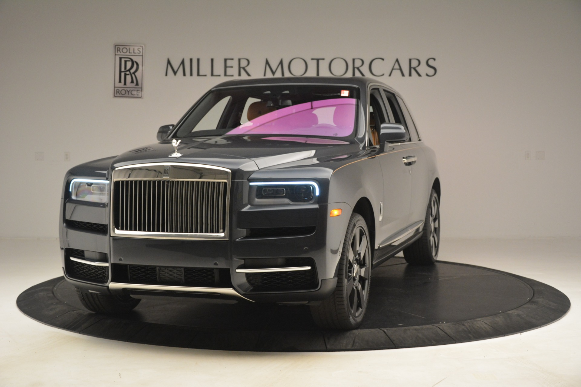 Used 2019 Rolls-Royce Cullinan for sale Sold at McLaren Greenwich in Greenwich CT 06830 1