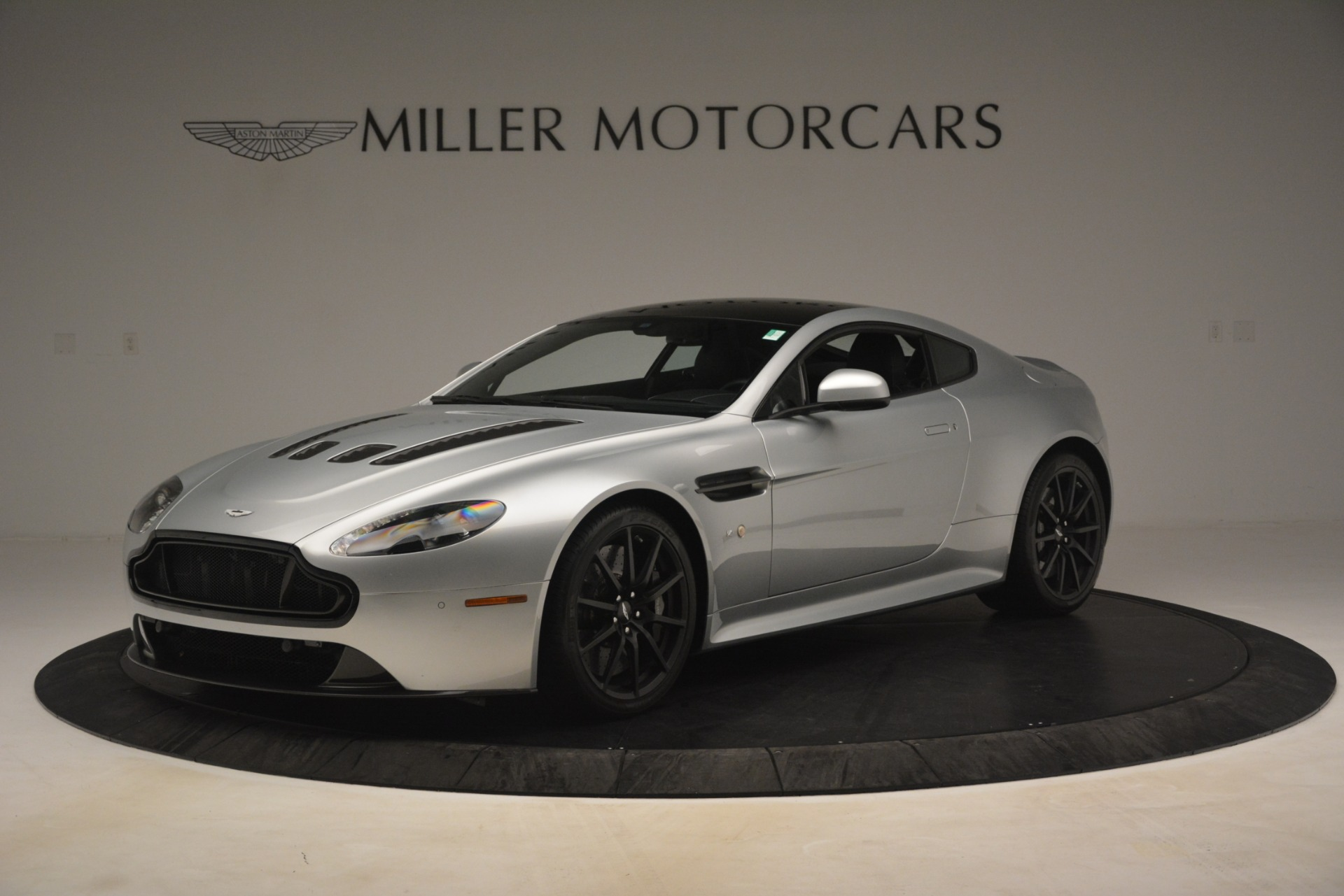 Used 2015 Aston Martin V12 Vantage S Coupe for sale Sold at McLaren Greenwich in Greenwich CT 06830 1
