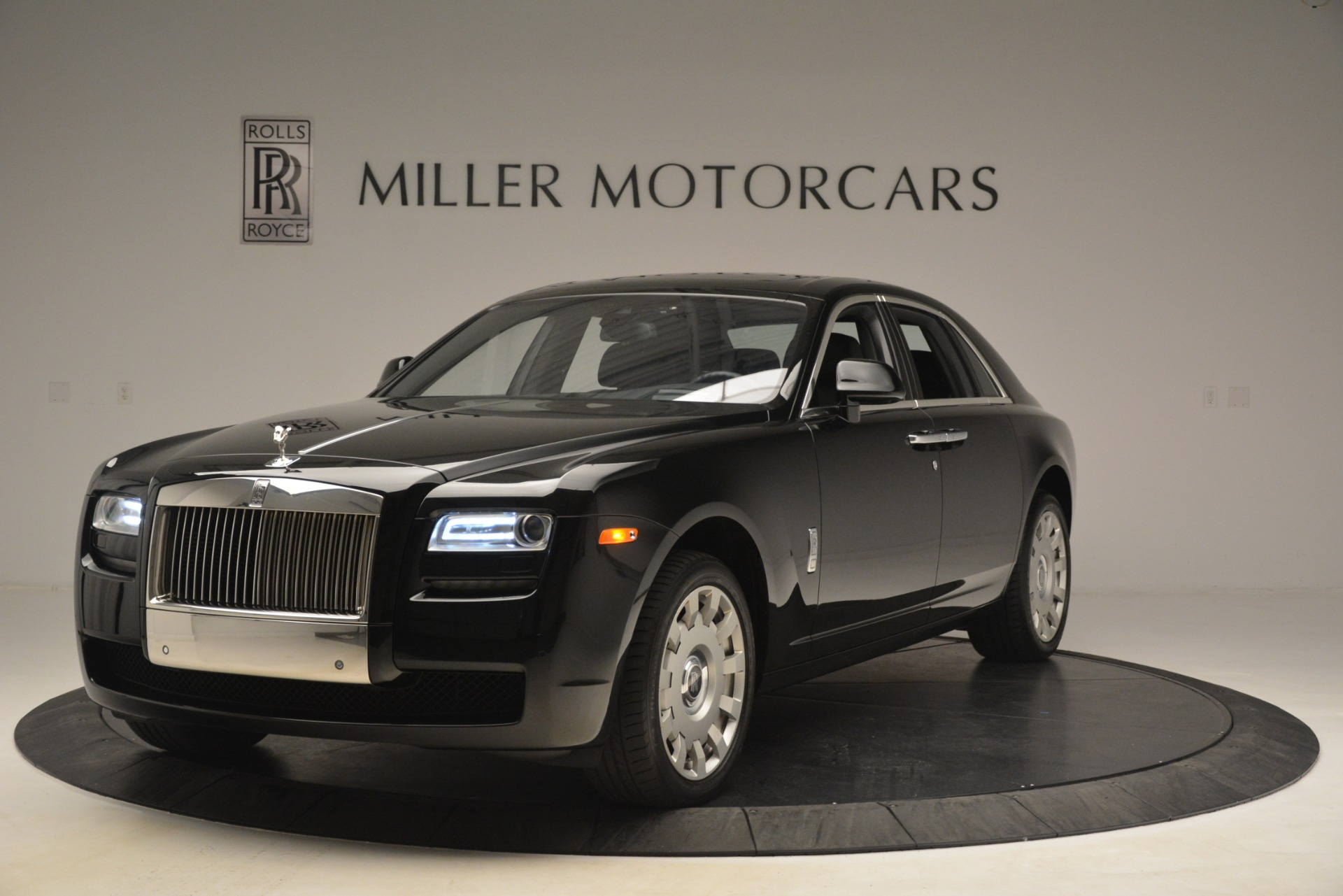 Used 2014 Rolls-Royce Ghost for sale Sold at McLaren Greenwich in Greenwich CT 06830 1