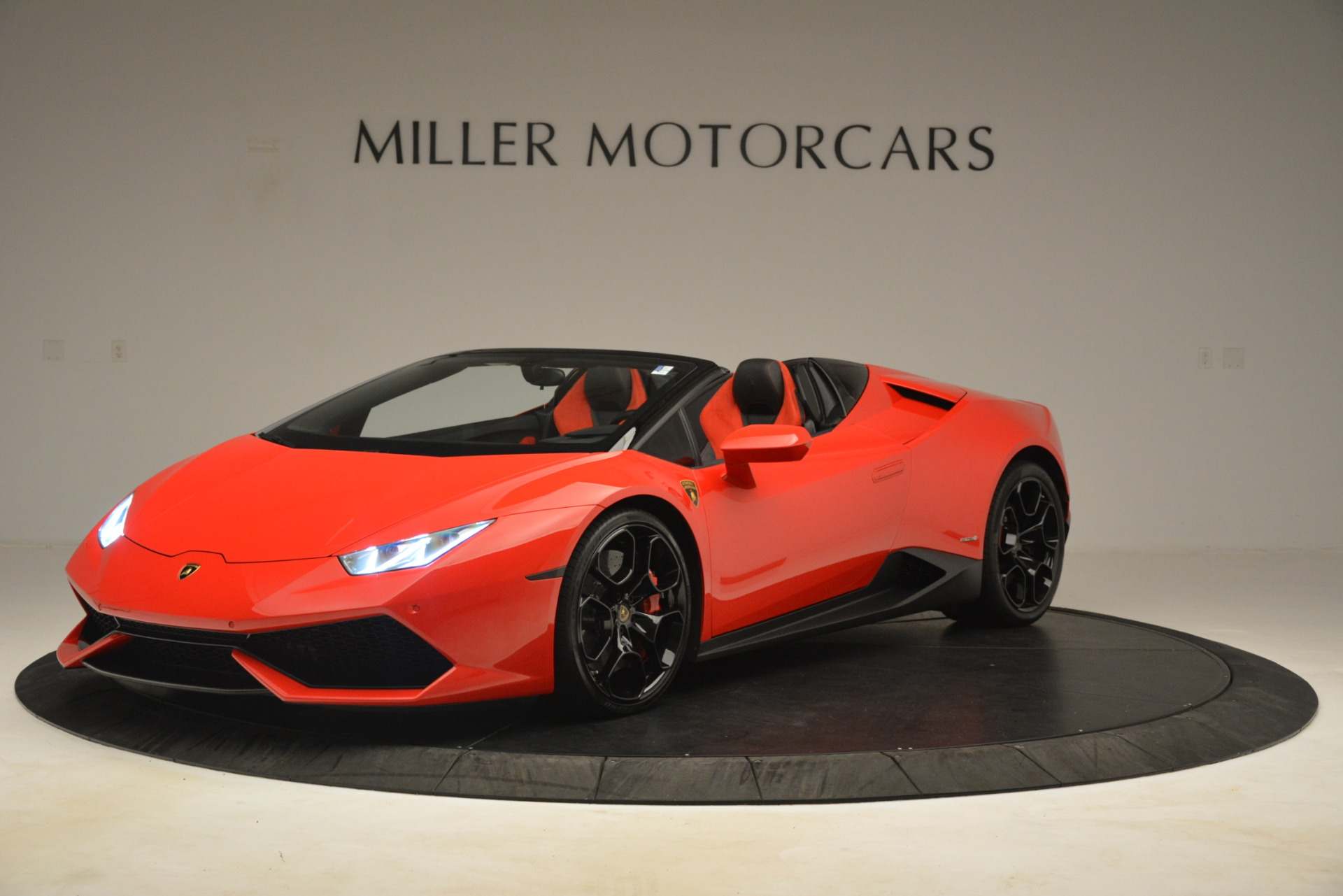 Used 2017 Lamborghini Huracan LP 610-4 Spyder for sale Sold at McLaren Greenwich in Greenwich CT 06830 1