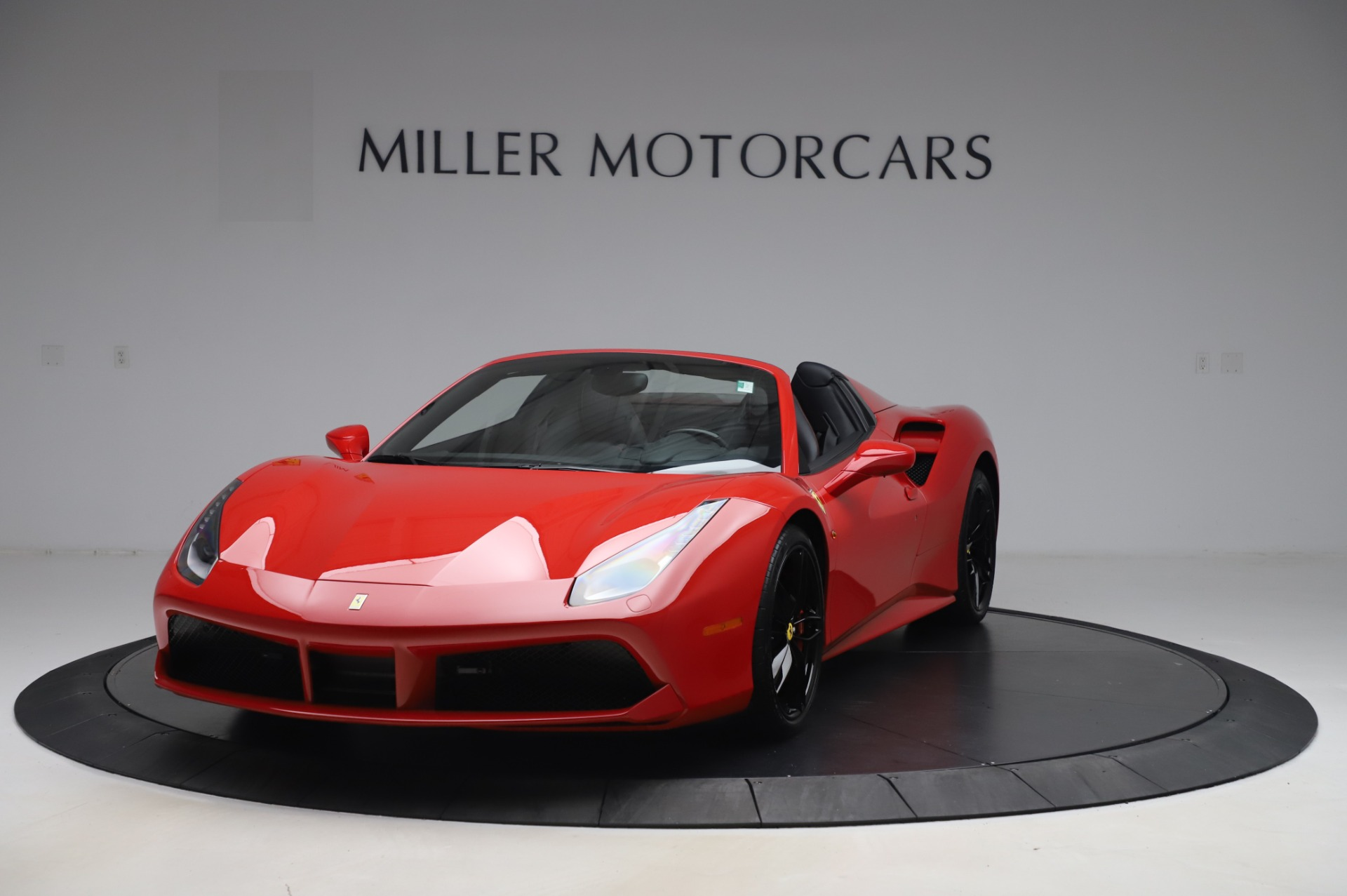 Used 2017 Ferrari 488 Spider for sale $275,900 at McLaren Greenwich in Greenwich CT 06830 1