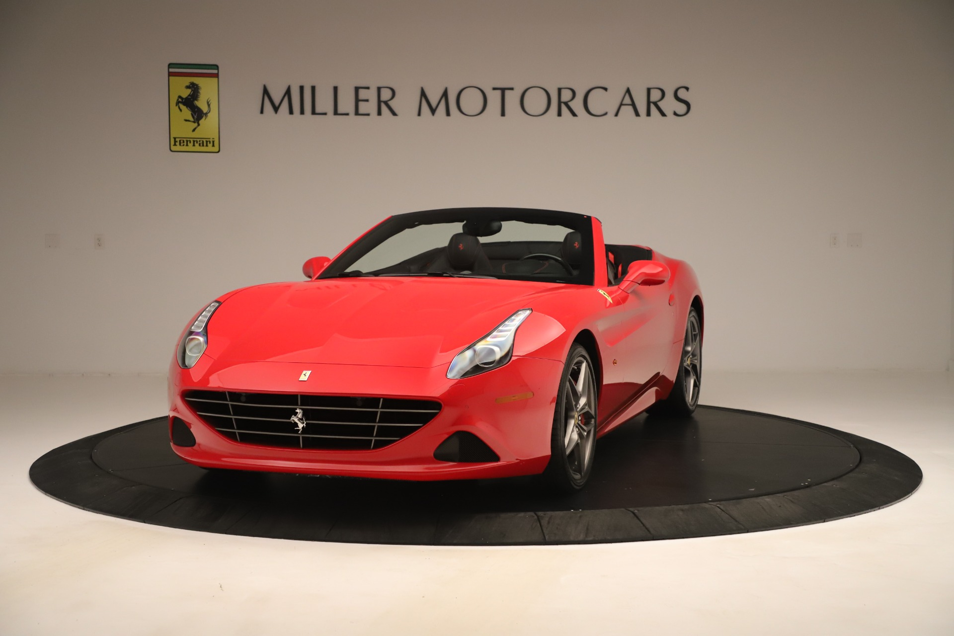 Used 2016 Ferrari California T for sale Sold at McLaren Greenwich in Greenwich CT 06830 1