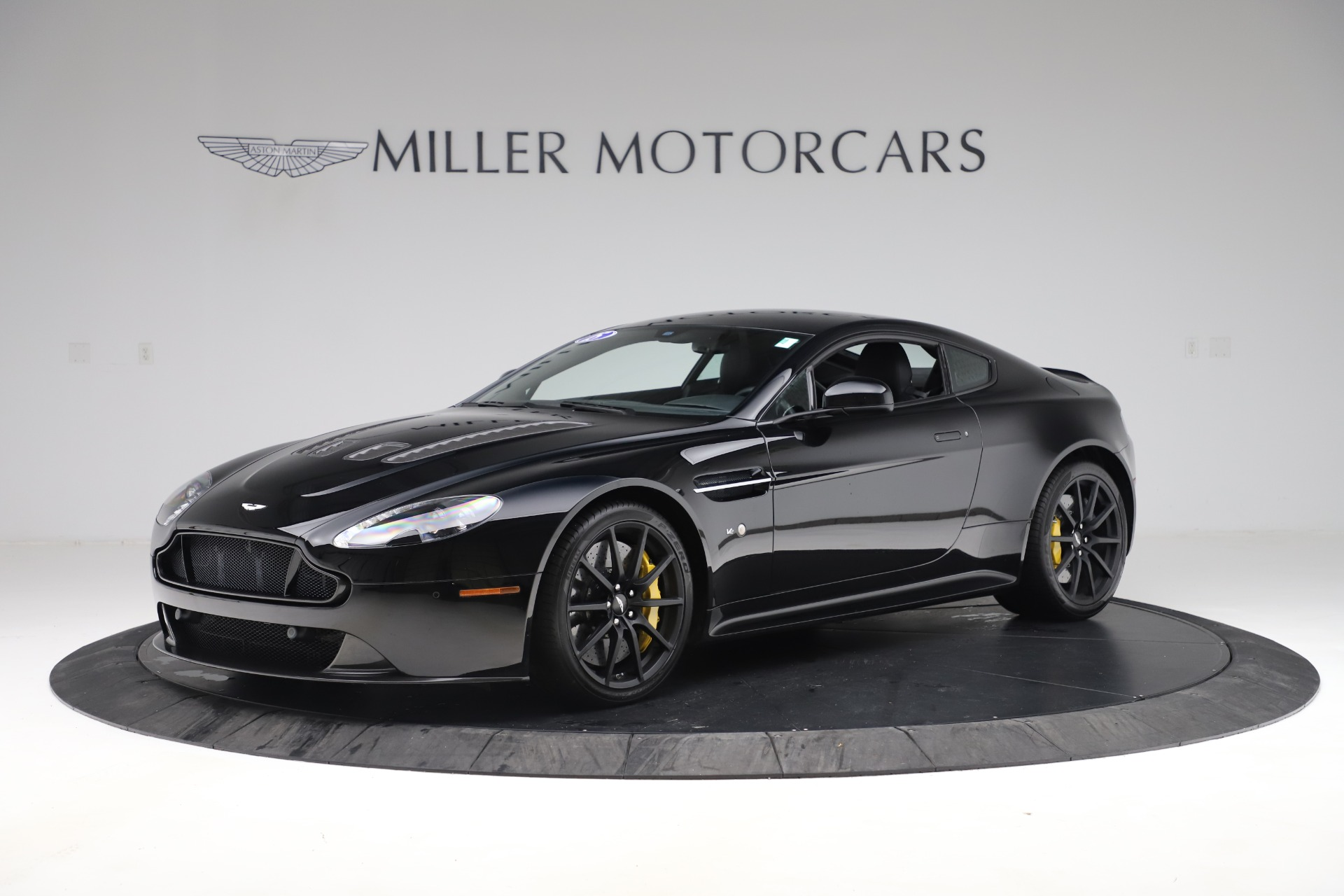 Used 2015 Aston Martin V12 Vantage S Coupe for sale $99,900 at McLaren Greenwich in Greenwich CT 06830 1